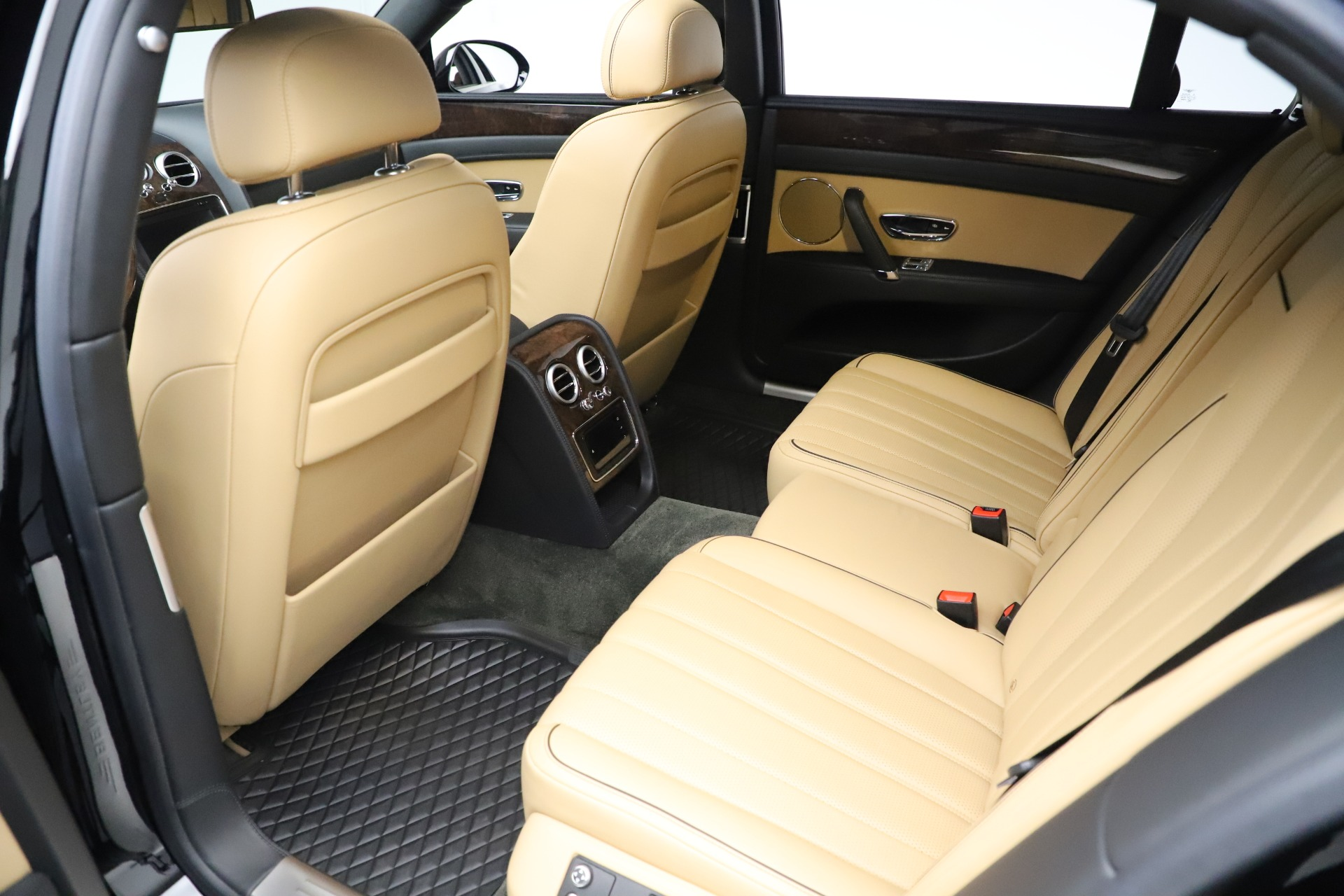 Used 2016 Bentley Flying Spur V8 For Sale In Greenwich, CT 3526_p21