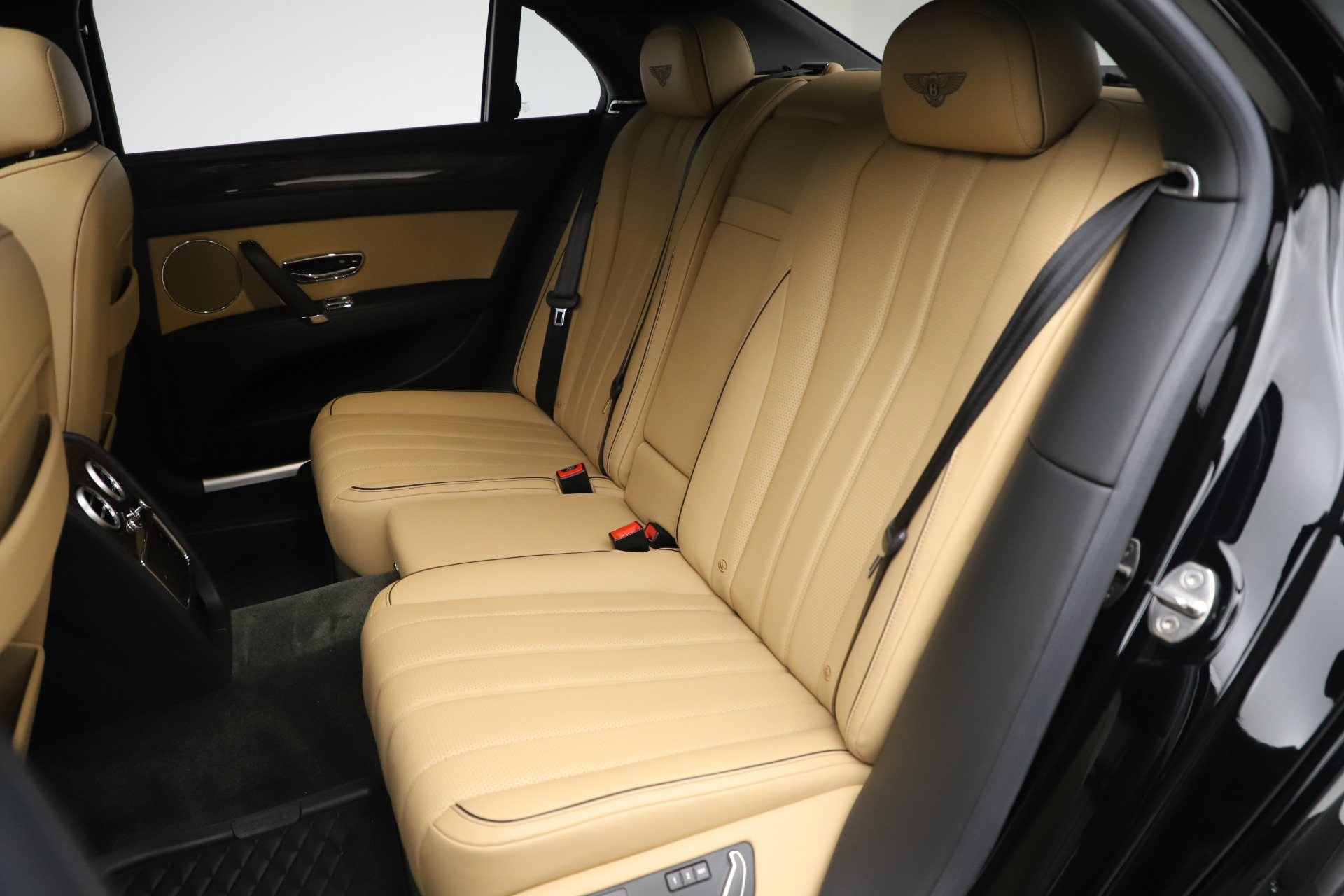 Used 2016 Bentley Flying Spur V8 For Sale In Greenwich, CT 3526_p22