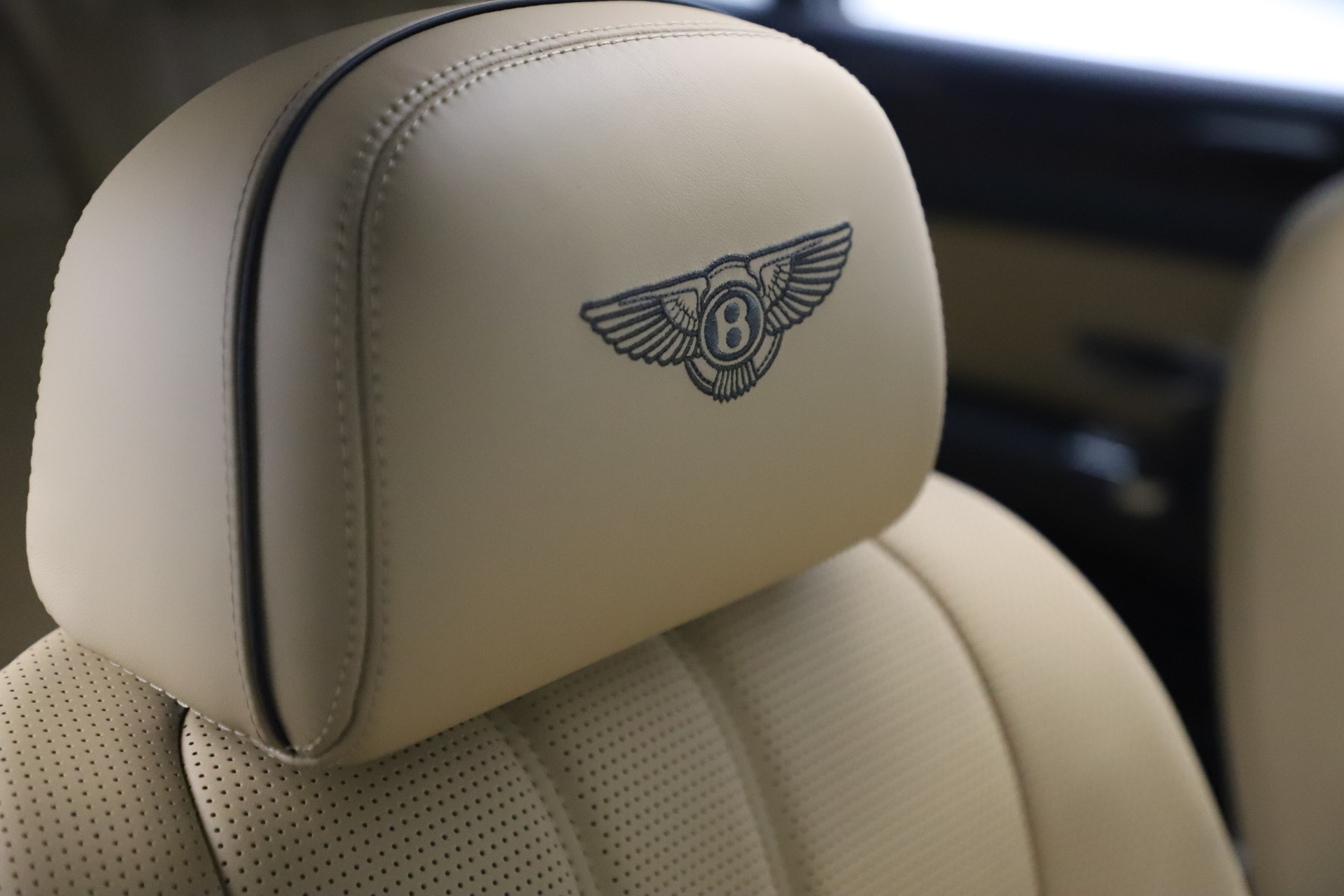 Used 2016 Bentley Flying Spur V8 For Sale In Greenwich, CT 3526_p27