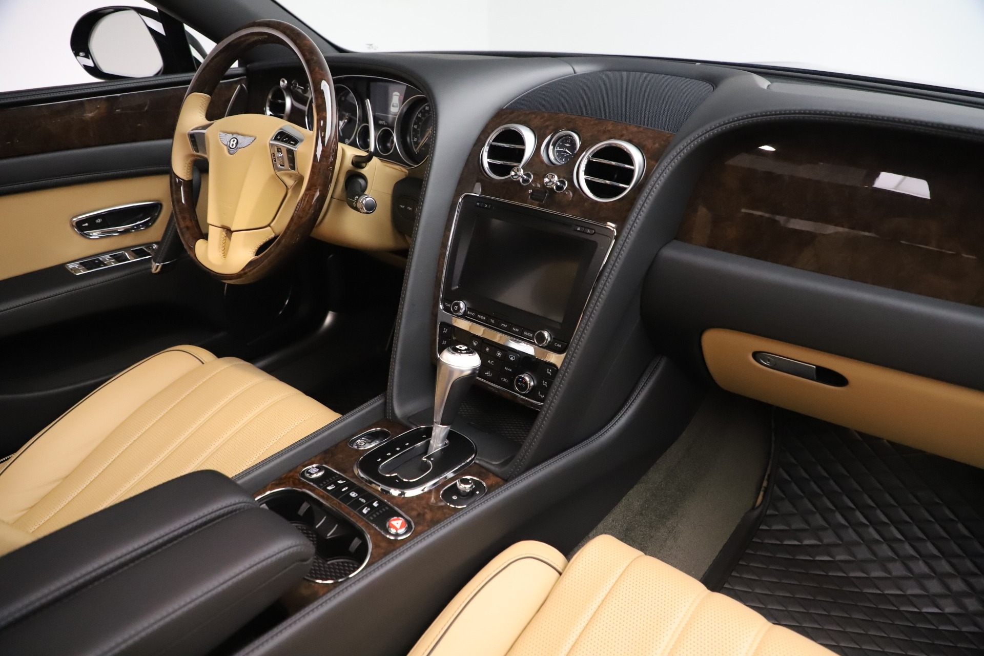 Used 2016 Bentley Flying Spur V8 For Sale In Greenwich, CT 3526_p28