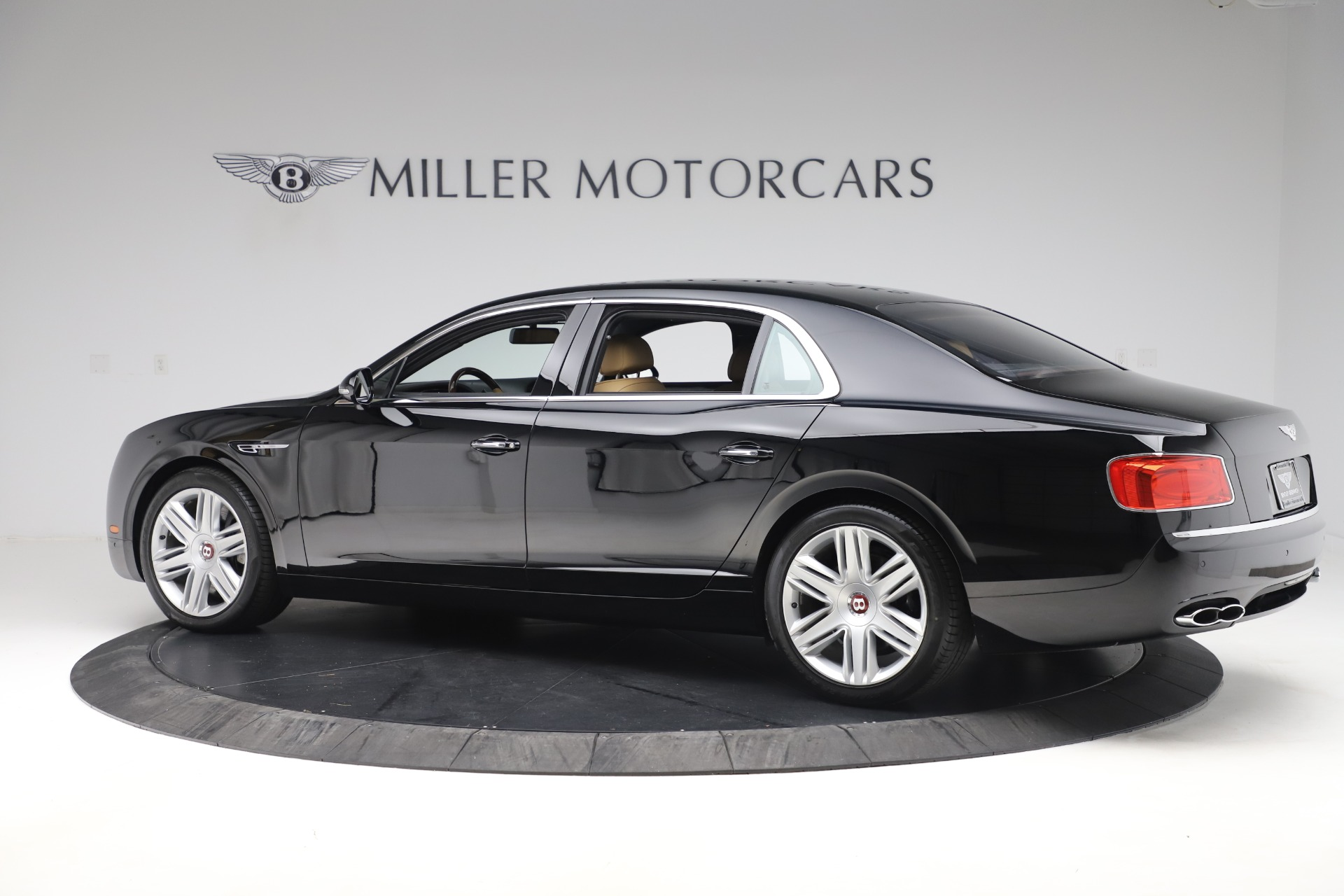 Used 2016 Bentley Flying Spur V8 For Sale In Greenwich, CT 3526_p4