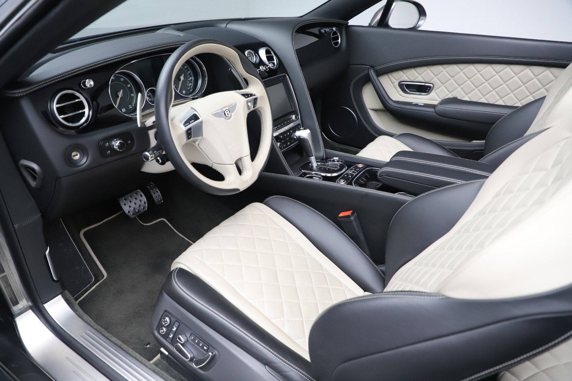 Used 2016 Bentley Continental GT V8 S For Sale In Greenwich, CT 3527_p23