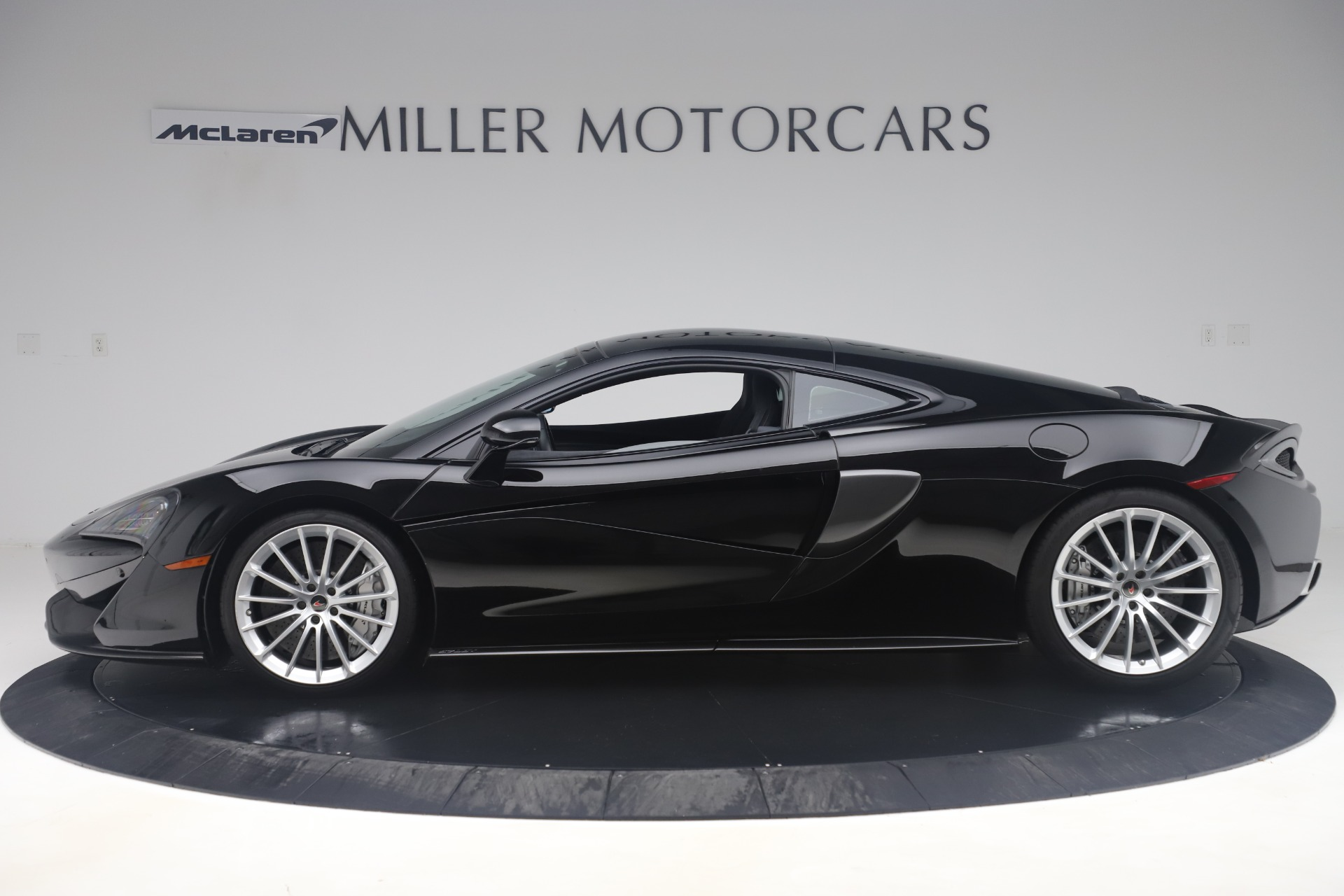 Used 2017 McLaren 570GT  For Sale In Greenwich, CT 3543_p2
