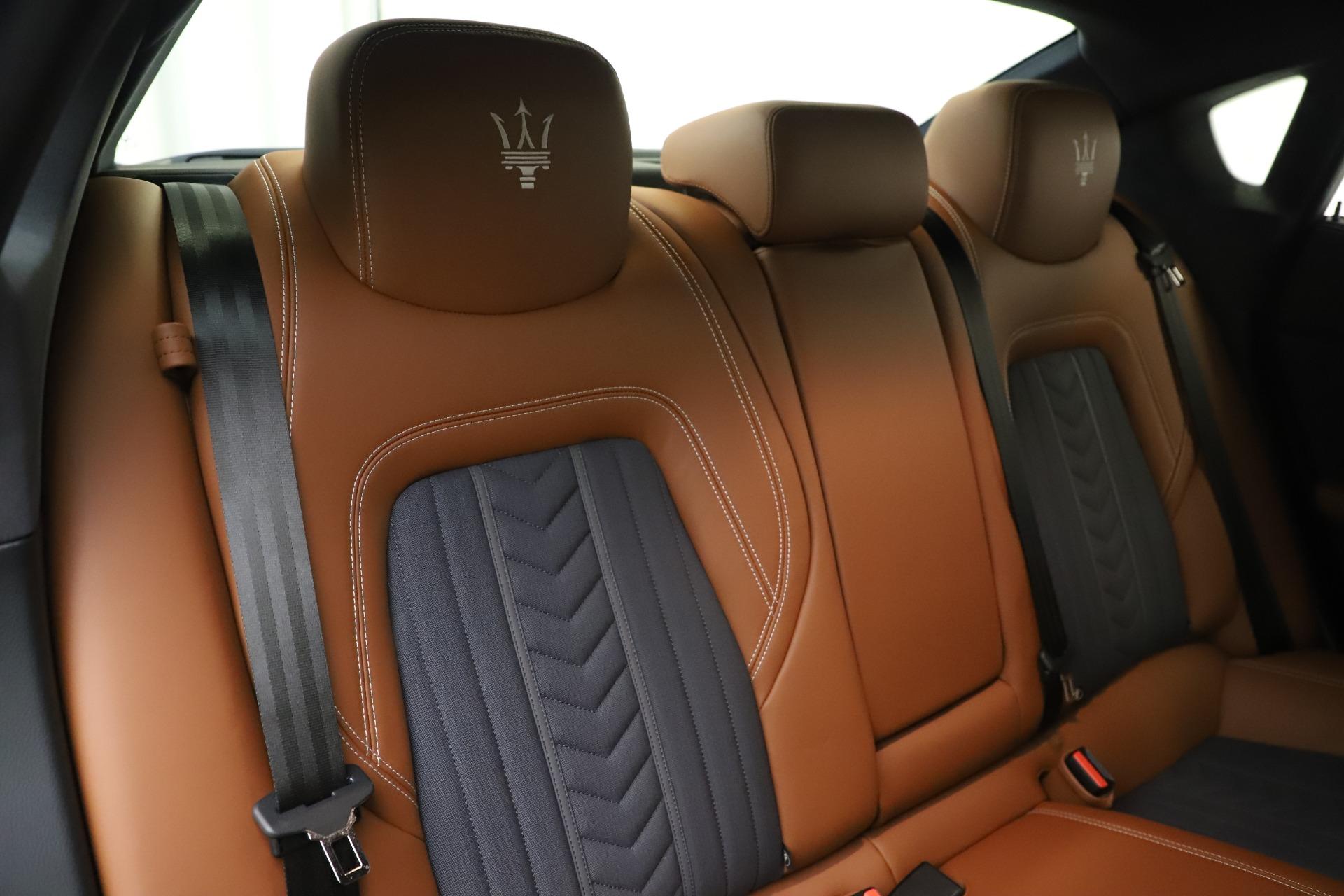Used 2017 Maserati Quattroporte S Q4 GranLusso For Sale In Greenwich, CT 3553_p26