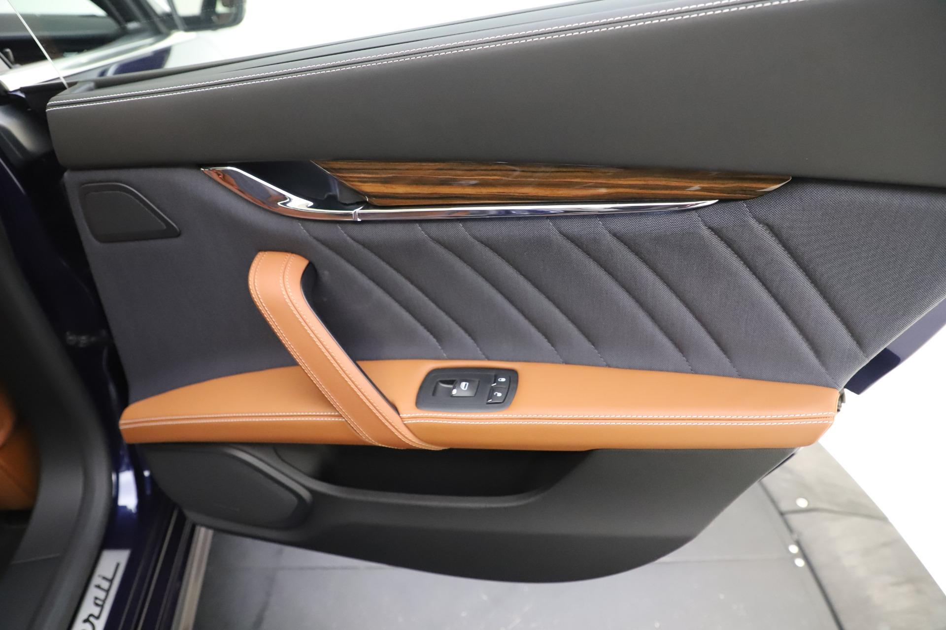 Used 2017 Maserati Quattroporte S Q4 GranLusso For Sale In Greenwich, CT 3553_p29
