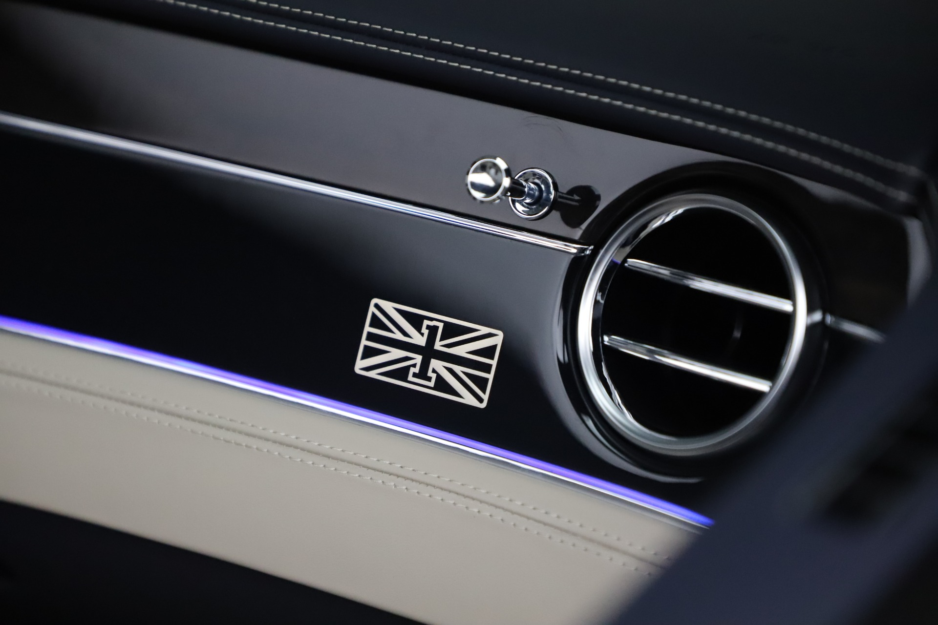 New 2020 Bentley Continental GTC V8 For Sale In Greenwich, CT 3566_p28