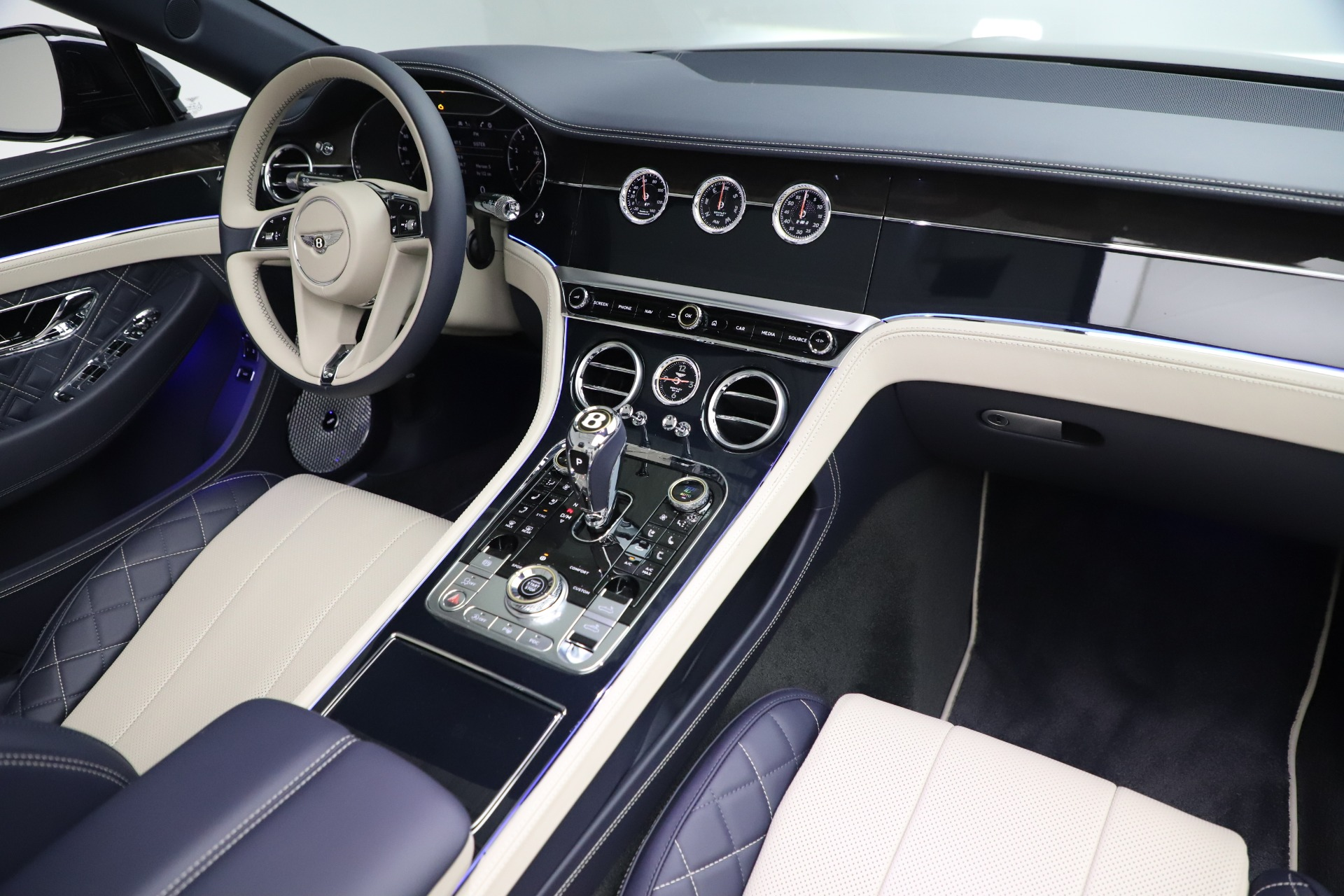 New 2020 Bentley Continental GTC V8 For Sale In Greenwich, CT 3566_p33