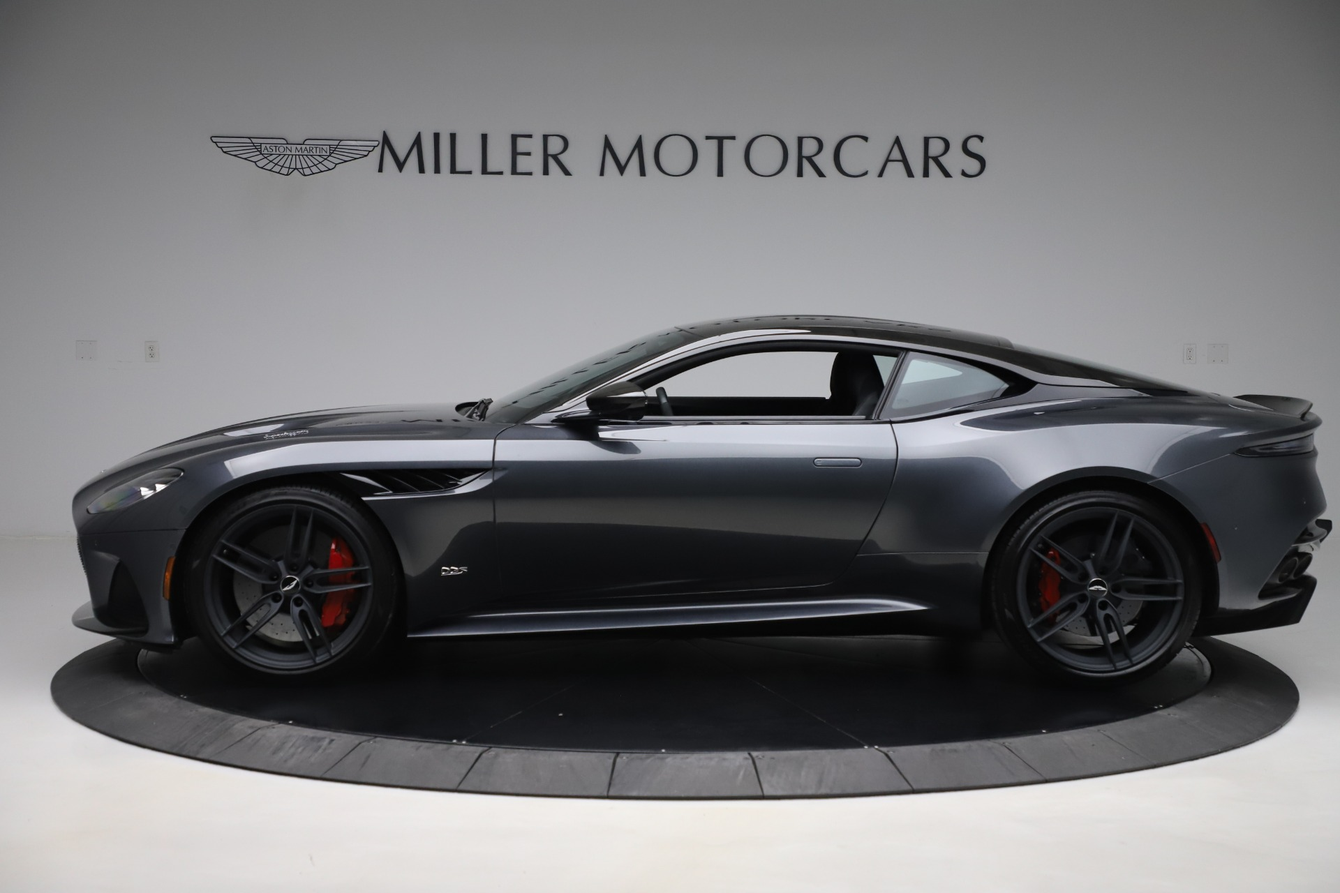 Used 2019 Aston Martin DBS Superleggera For Sale In Greenwich, CT 3570_p3
