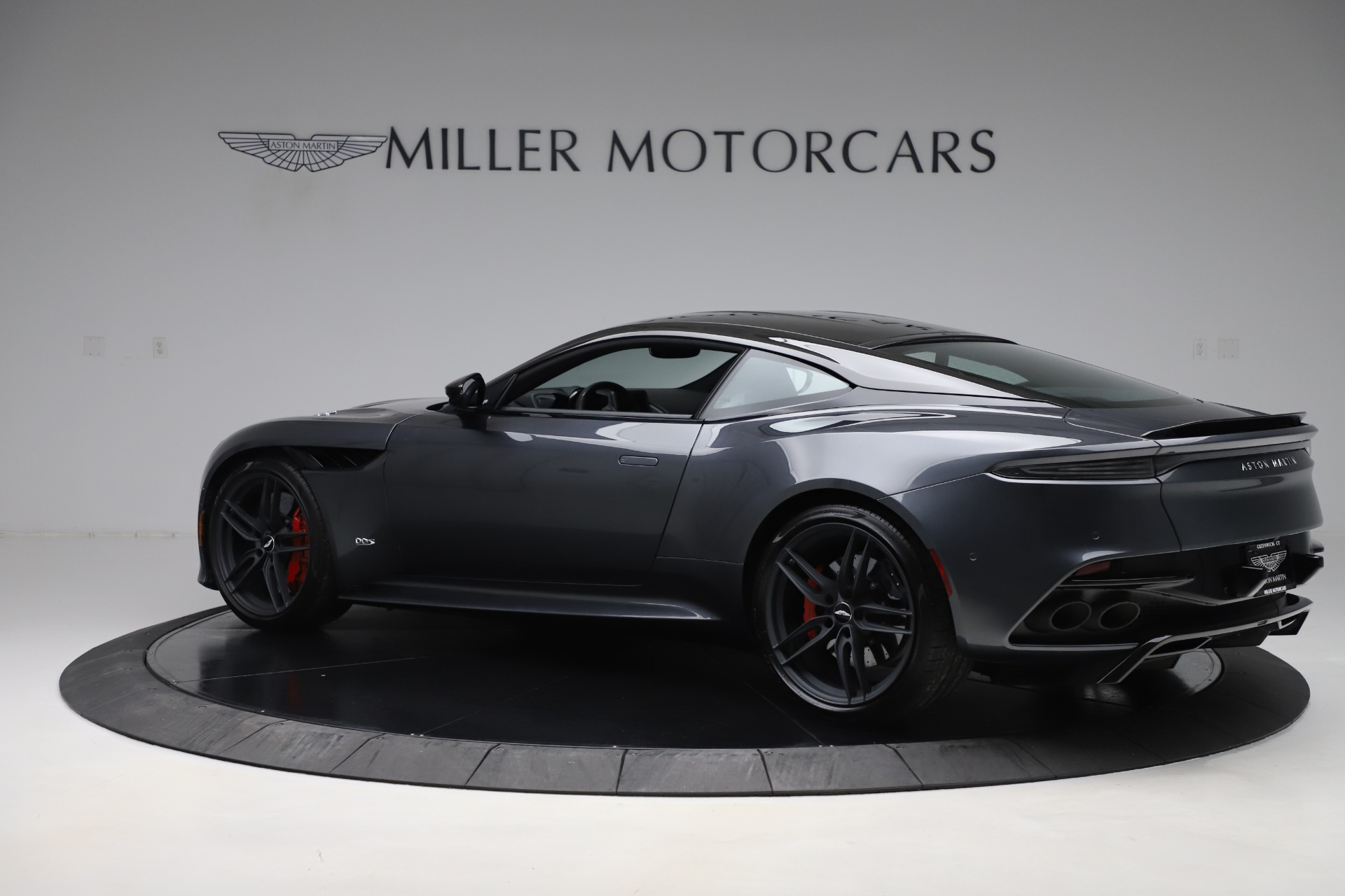 Used 2019 Aston Martin DBS Superleggera For Sale In Greenwich, CT 3570_p4