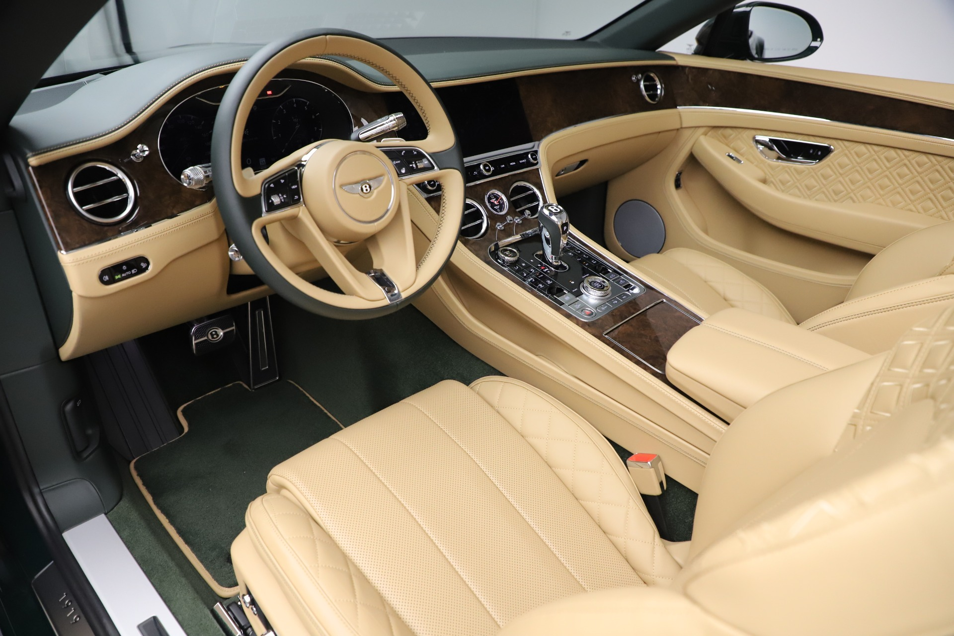 New 2020 Bentley Continental GTC V8 For Sale In Greenwich, CT 3572_p26
