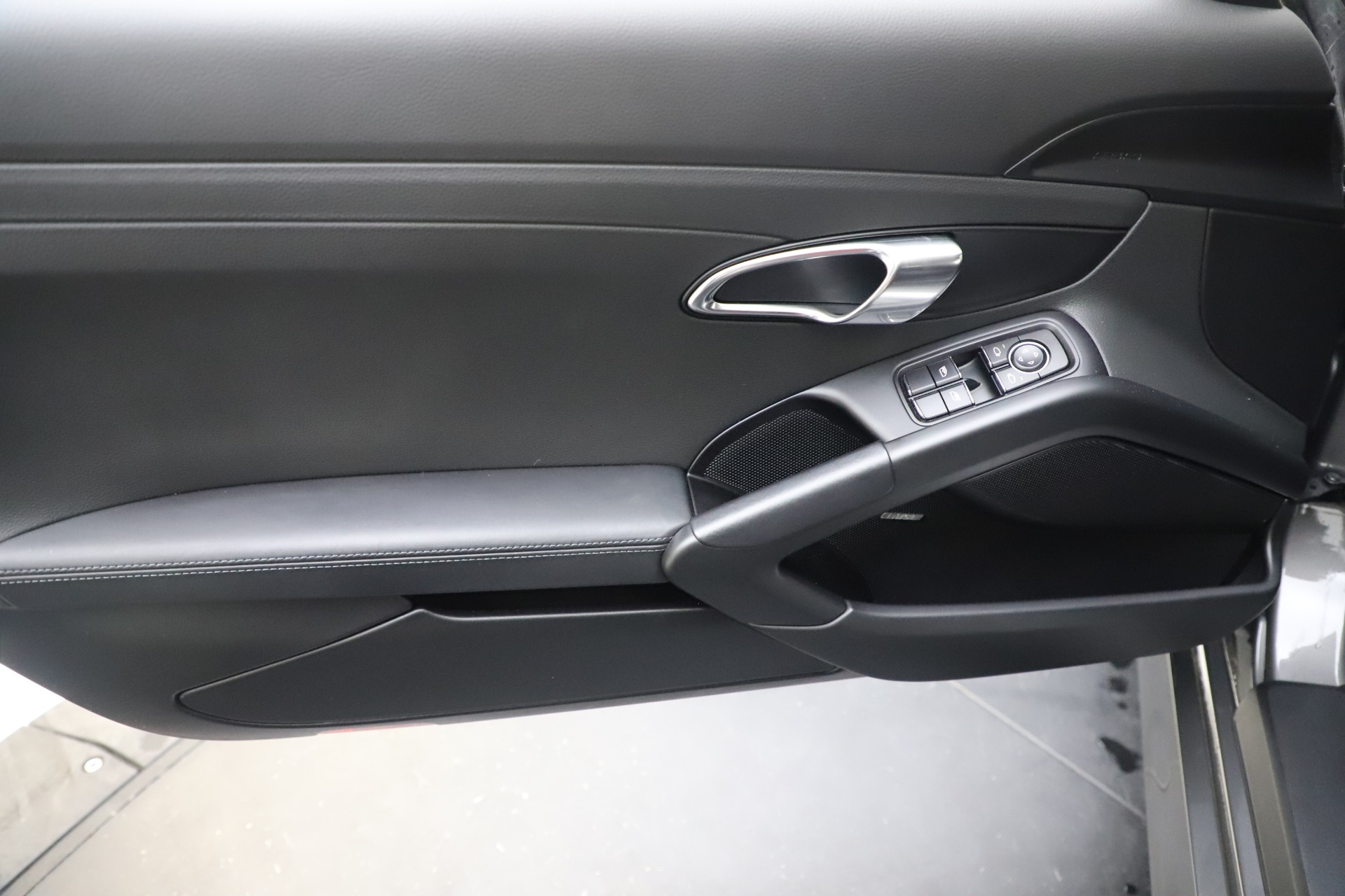 Used 2015 Porsche Cayman S For Sale In Greenwich, CT 3586_p17