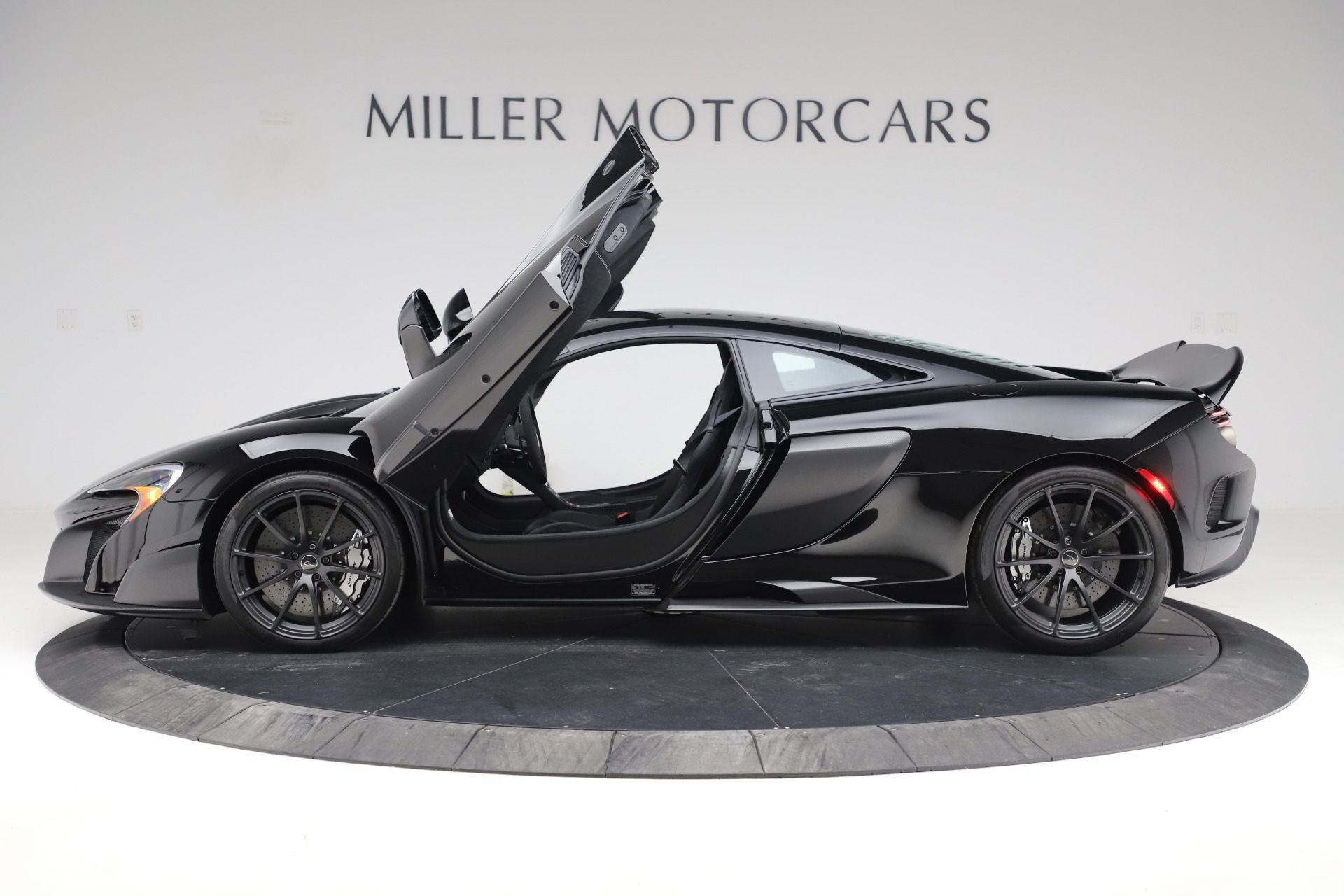 Used 2016 McLaren 675LT COUPE For Sale In Greenwich, CT 3595_p11