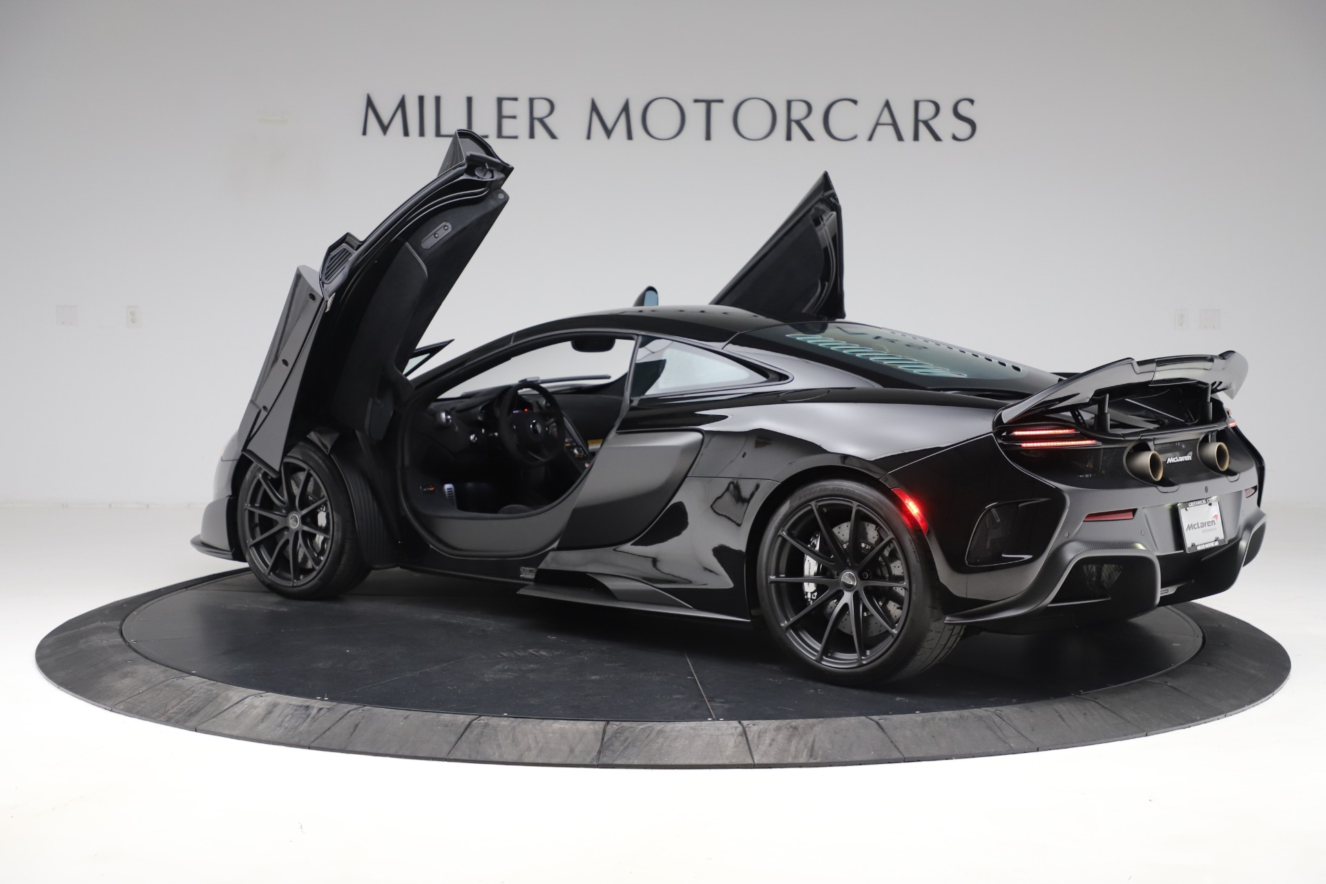 Used 2016 McLaren 675LT COUPE For Sale In Greenwich, CT 3595_p12