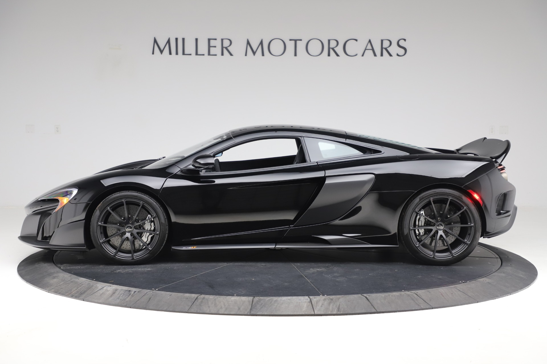 Used 2016 McLaren 675LT COUPE For Sale In Greenwich, CT 3595_p2