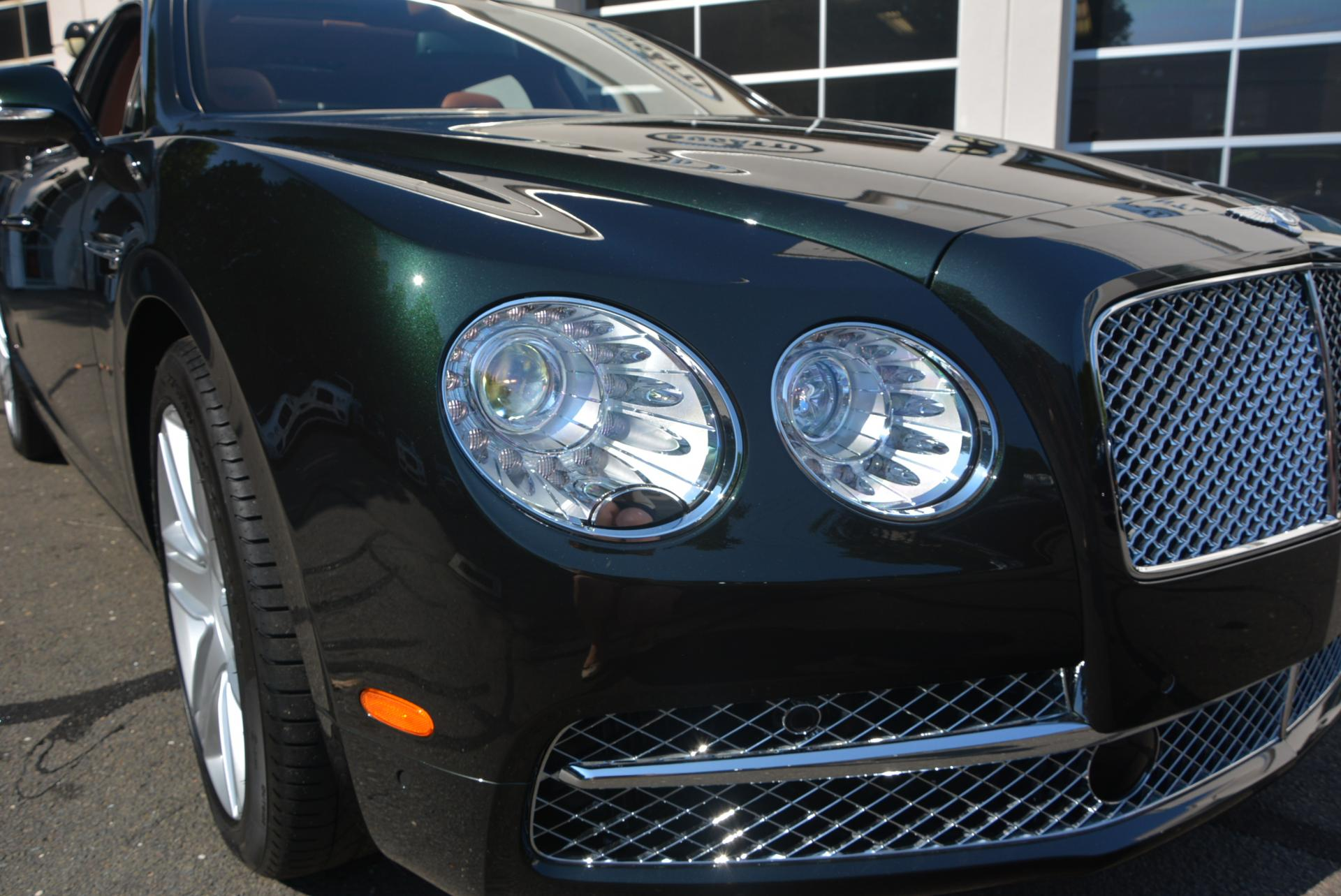 Used 2016 Bentley Flying Spur W12  For Sale In Greenwich, CT 41_p7