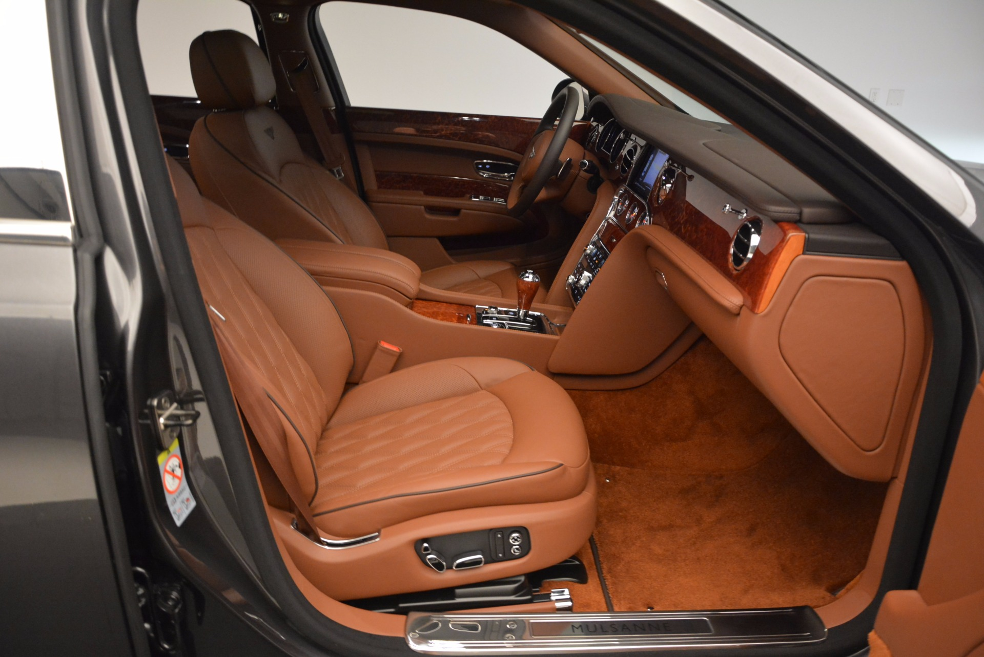 New 2017 Bentley Mulsanne  For Sale In Greenwich, CT 508_p48