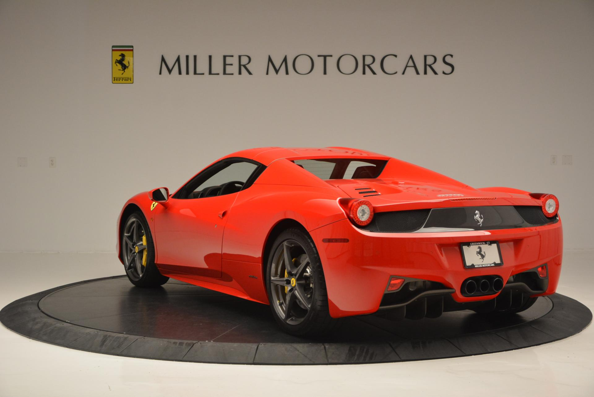 Used 2015 Ferrari 458 Spider  For Sale In Greenwich, CT 542_p17
