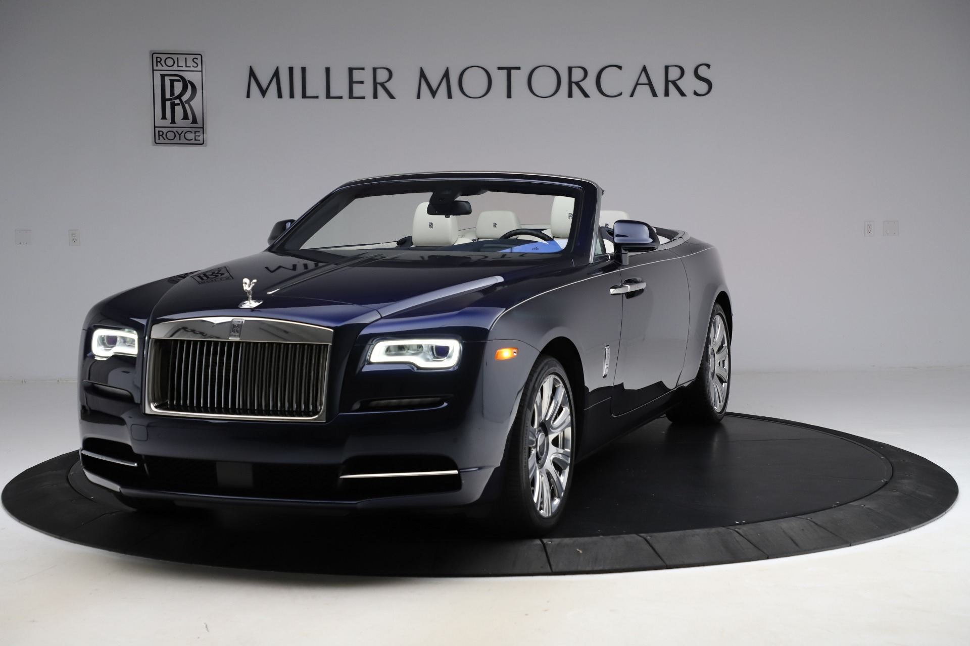Used 2016 Rolls-Royce Dawn  For Sale In Greenwich, CT 553_main