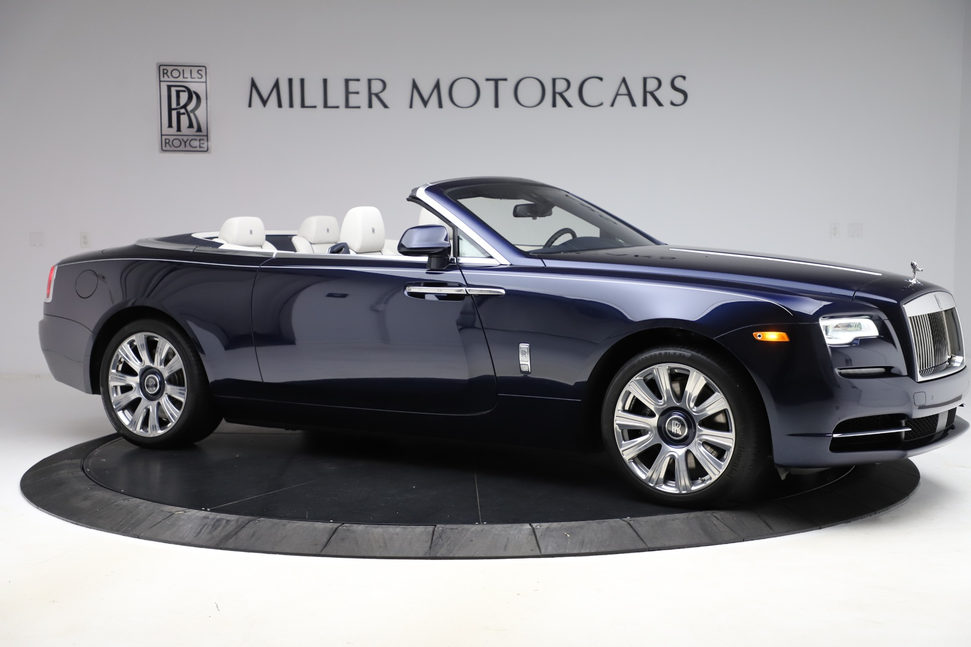 Used 2016 Rolls-Royce Dawn  For Sale In Greenwich, CT 553_p11