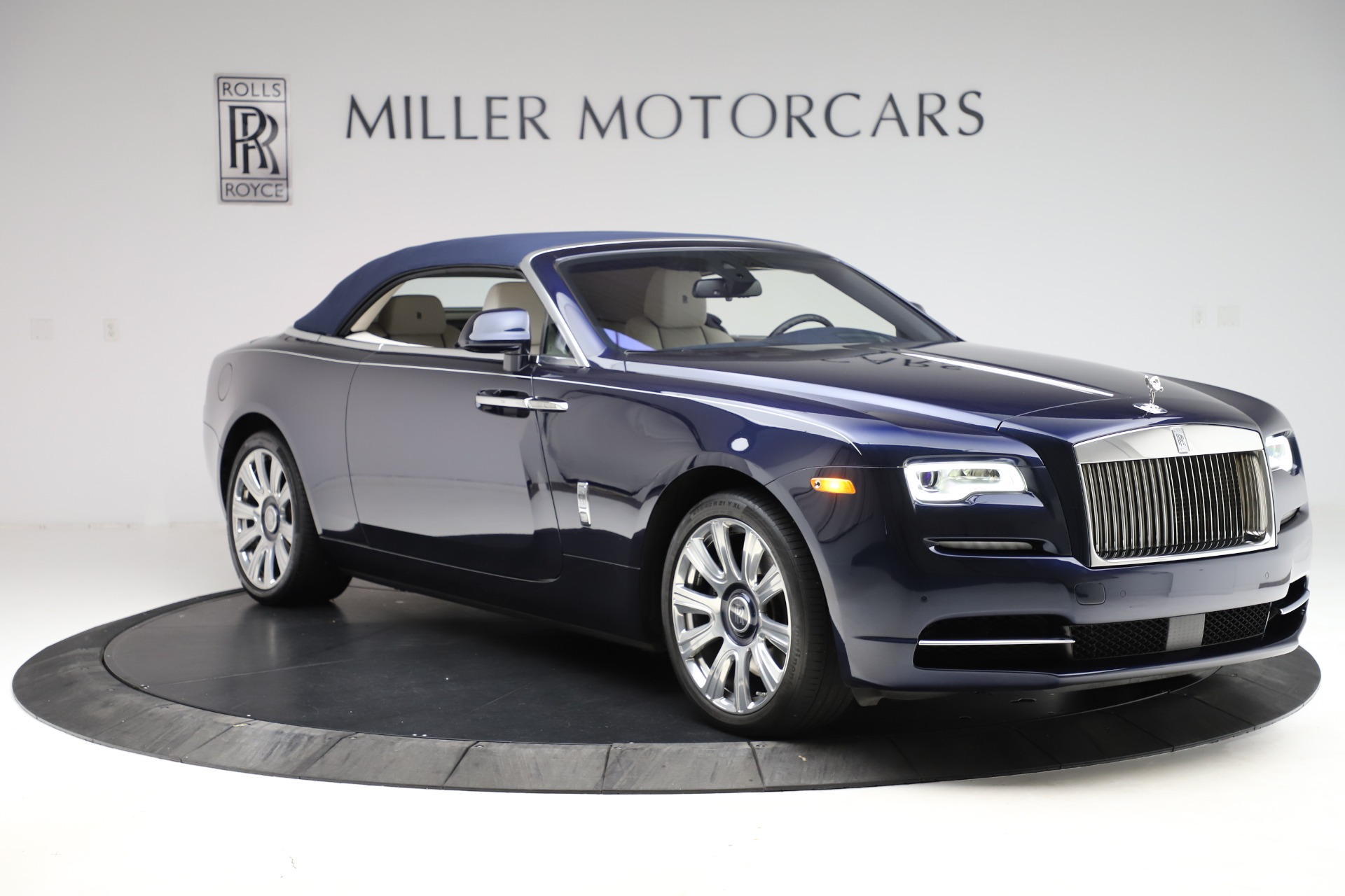 Used 2016 Rolls-Royce Dawn  For Sale In Greenwich, CT 553_p24