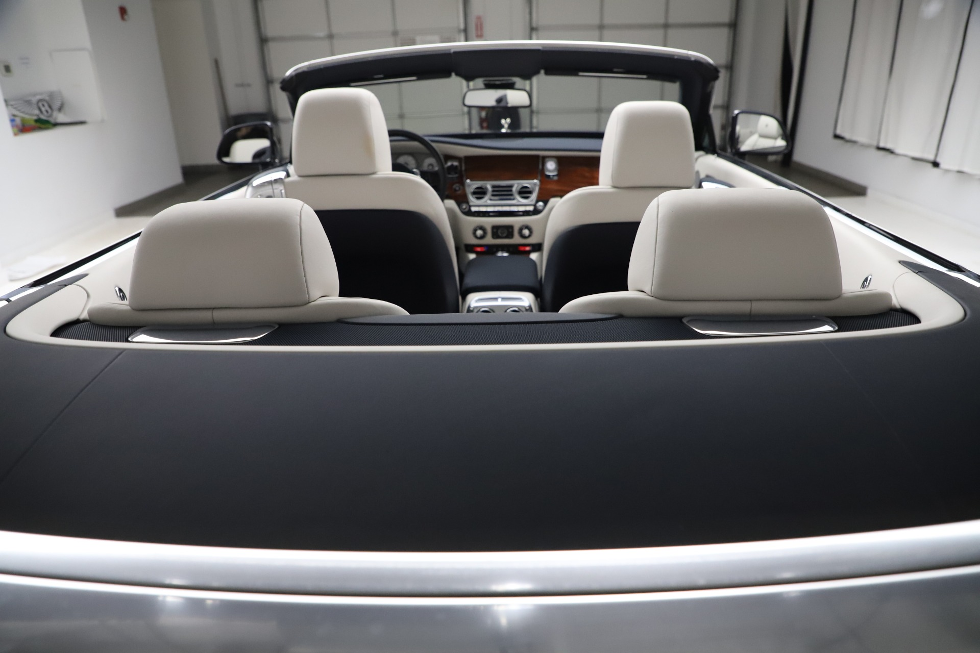 Used 2016 Rolls-Royce Dawn  For Sale In Greenwich, CT 553_p39