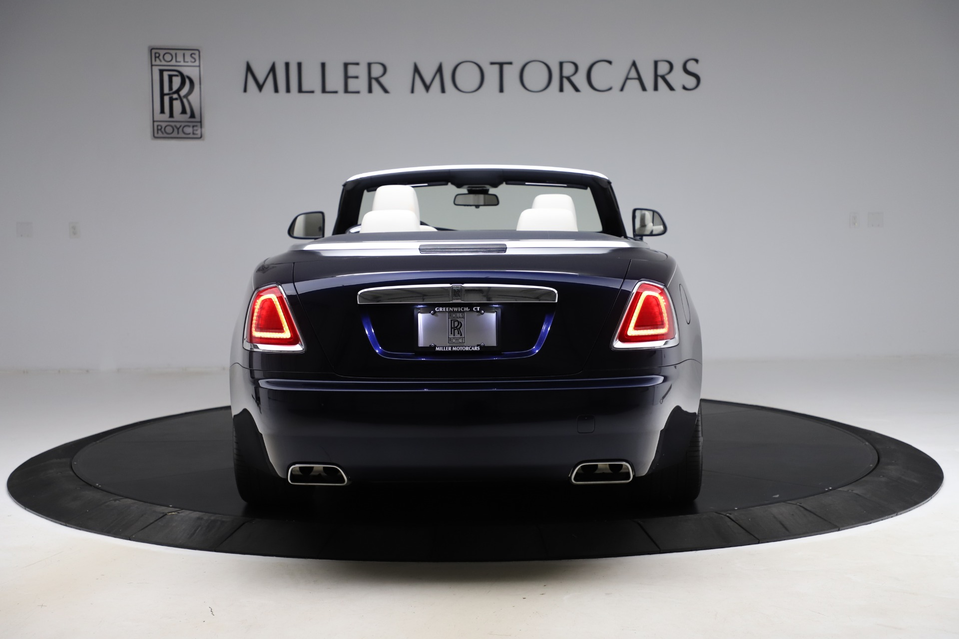 Used 2016 Rolls-Royce Dawn  For Sale In Greenwich, CT 553_p7