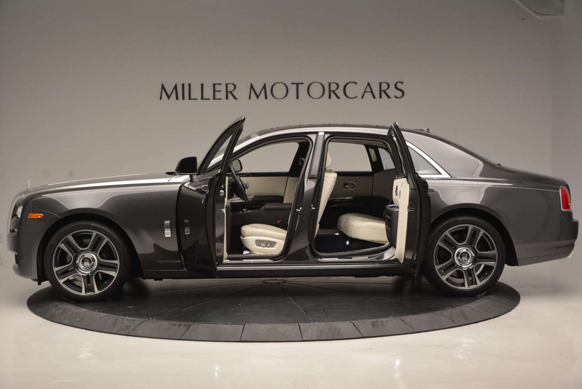 Used 2016 Rolls-Royce Ghost  For Sale In Greenwich, CT 557_p3