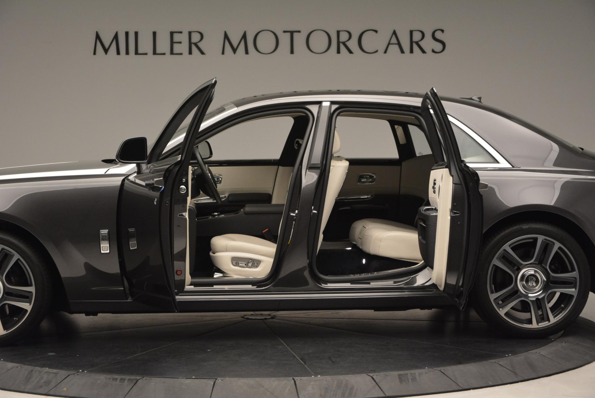 Used 2016 Rolls-Royce Ghost  For Sale In Greenwich, CT 557_p4