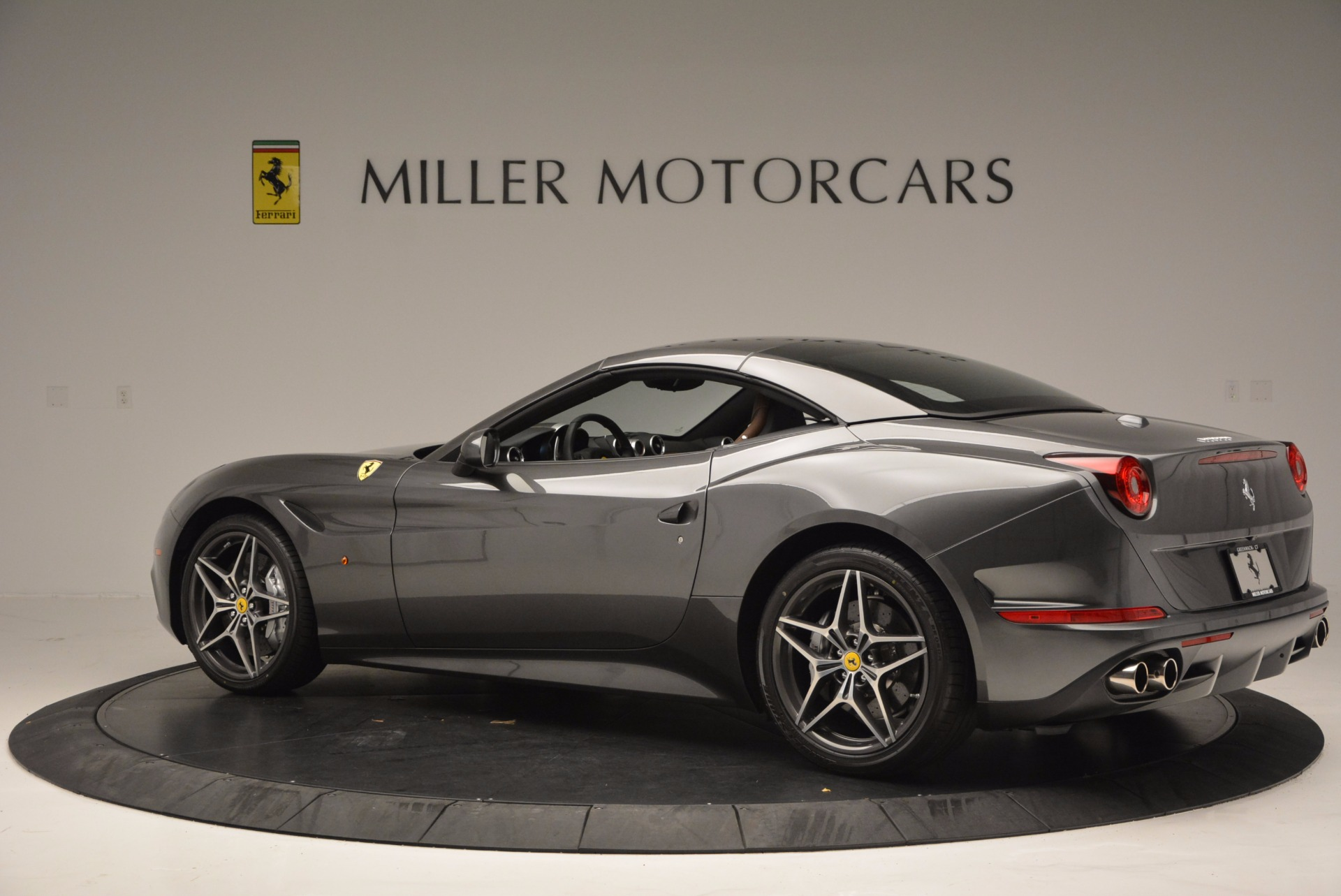 Used 2015 Ferrari California T  For Sale In Greenwich, CT 561_p16