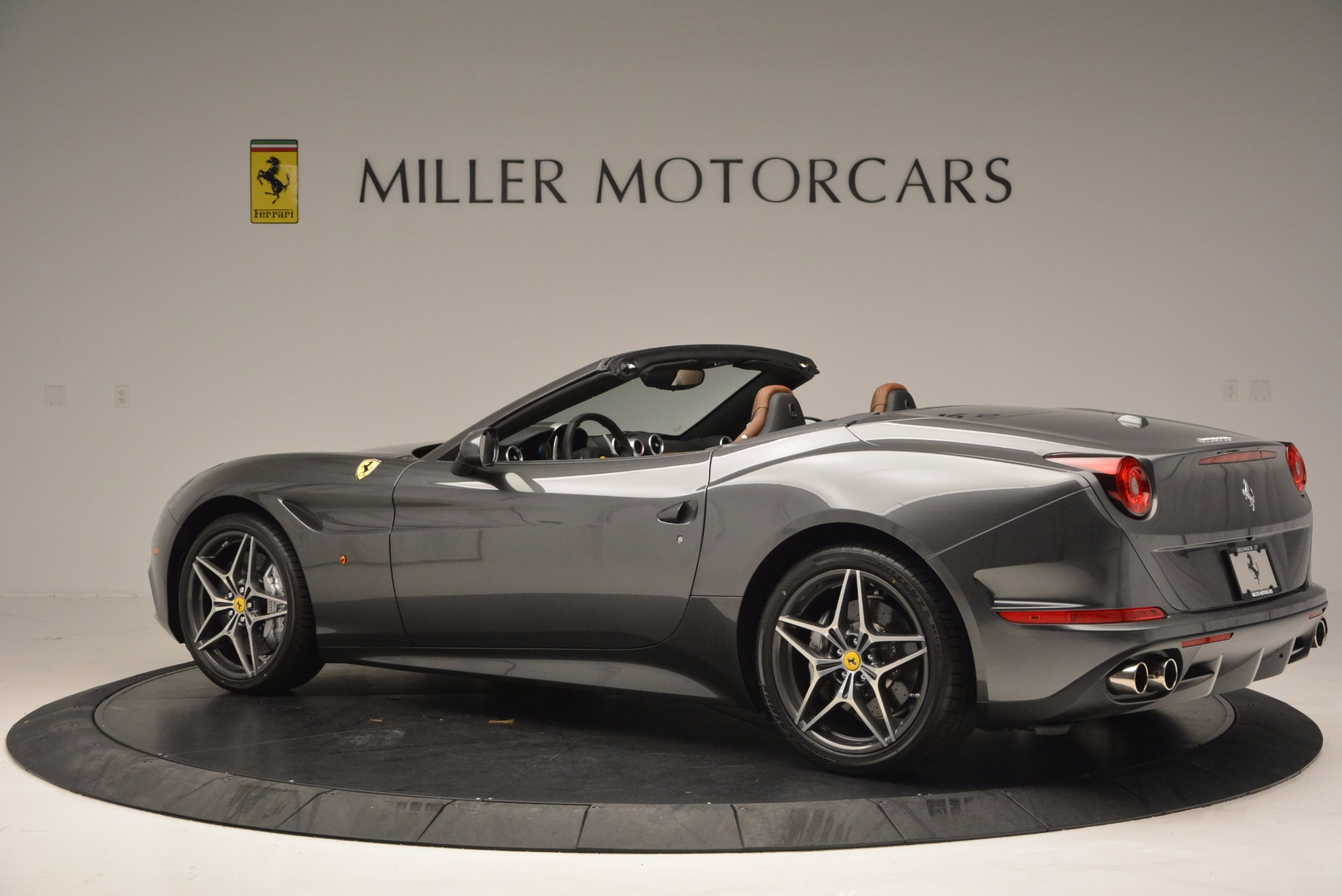Used 2015 Ferrari California T  For Sale In Greenwich, CT 561_p4