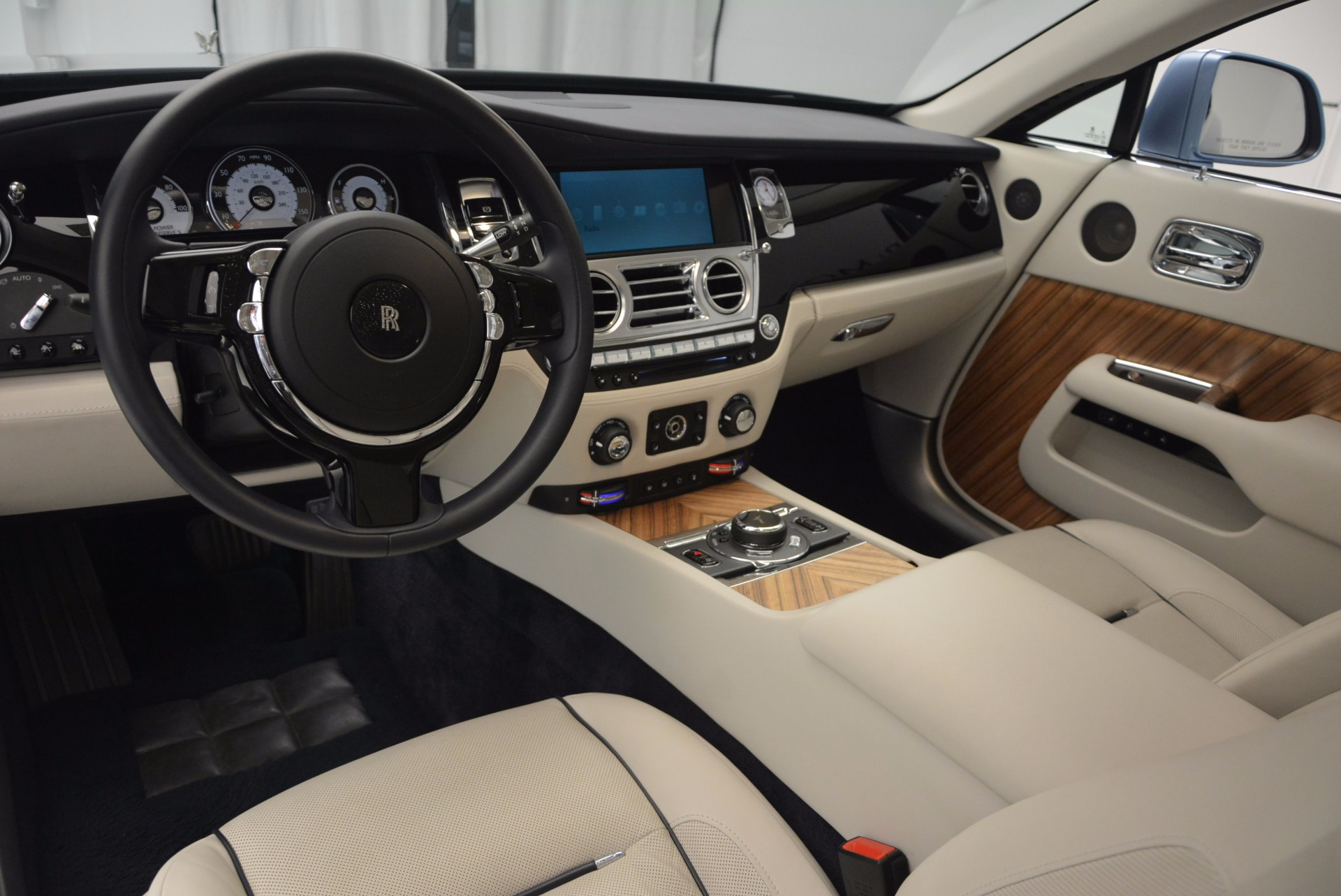 Used 2015 Rolls-Royce Wraith  For Sale In Greenwich, CT 563_p24