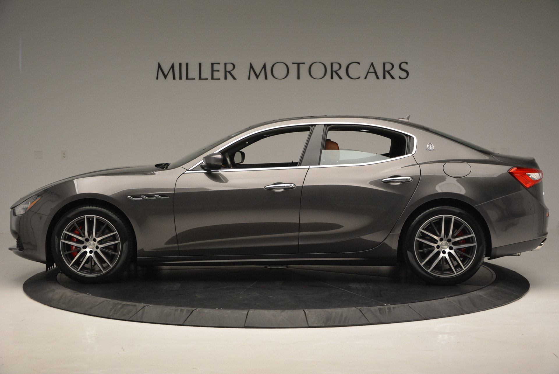 Used 2017 Maserati Ghibli S Q4  EX-LOANER For Sale In Greenwich, CT 565_p3