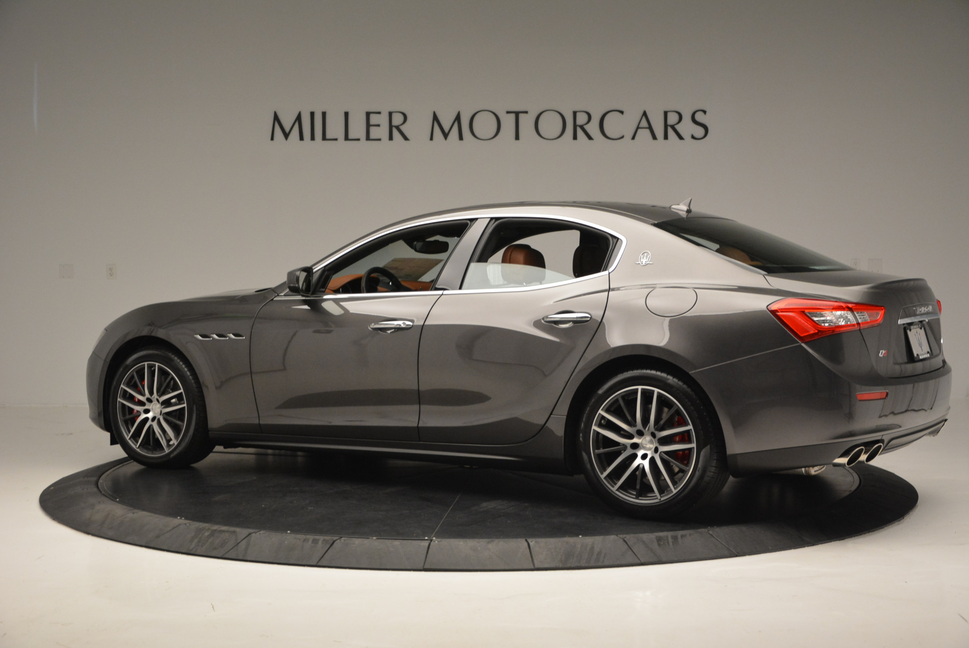 Used 2017 Maserati Ghibli S Q4  EX-LOANER For Sale In Greenwich, CT 565_p4