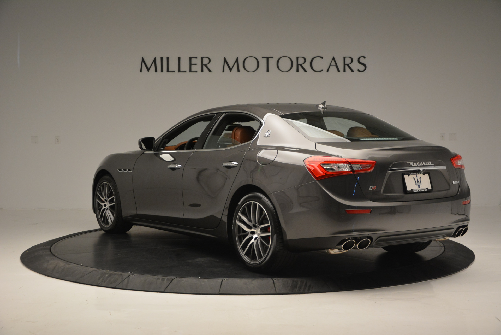 Used 2017 Maserati Ghibli S Q4  EX-LOANER For Sale In Greenwich, CT 565_p5
