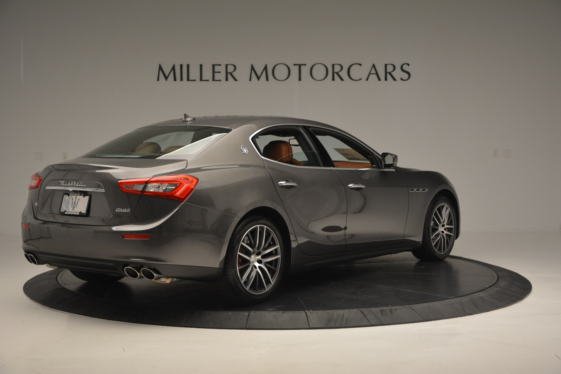 Used 2017 Maserati Ghibli S Q4  EX-LOANER For Sale In Greenwich, CT 565_p7
