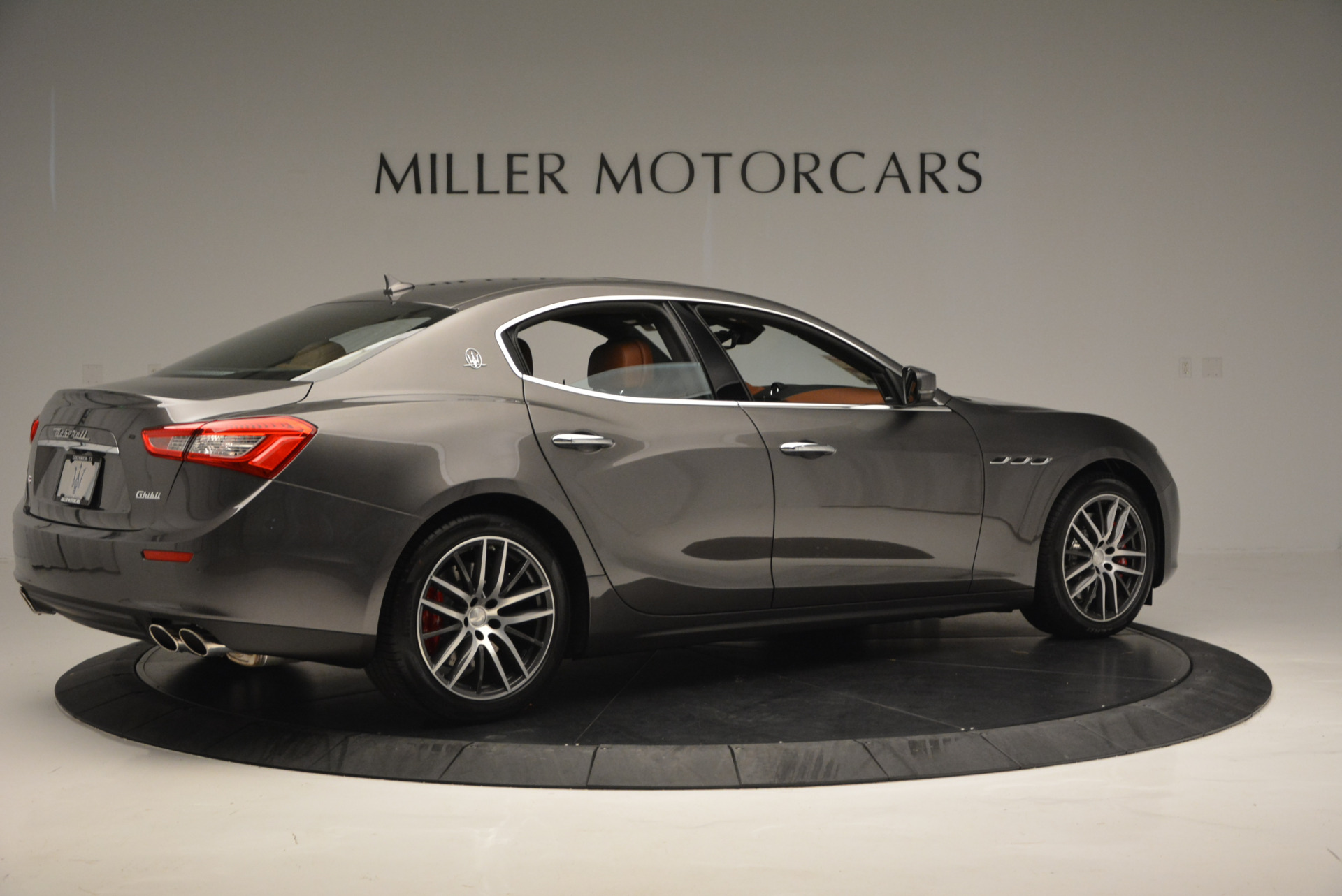 Used 2017 Maserati Ghibli S Q4  EX-LOANER For Sale In Greenwich, CT 565_p8