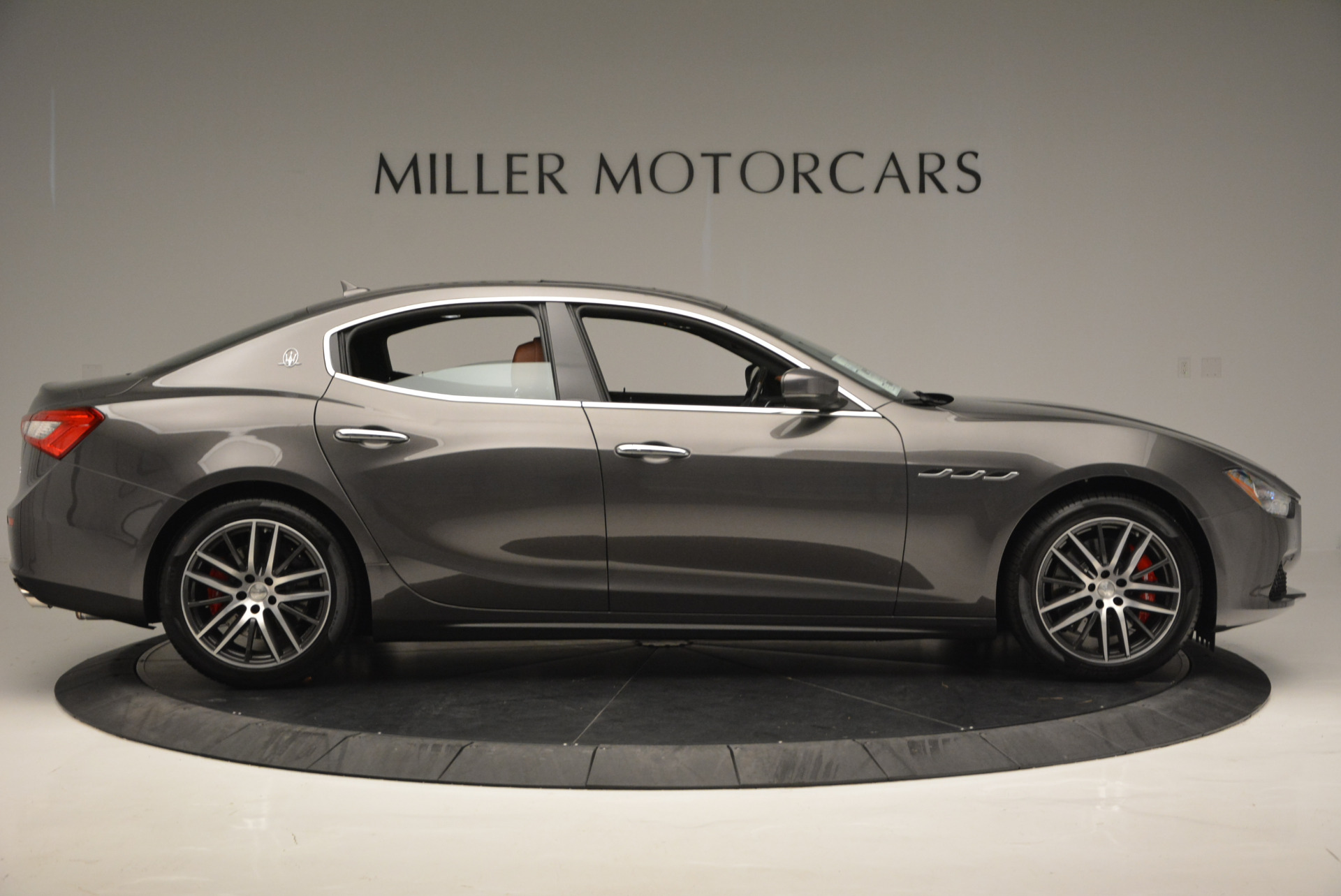 Used 2017 Maserati Ghibli S Q4  EX-LOANER For Sale In Greenwich, CT 565_p9
