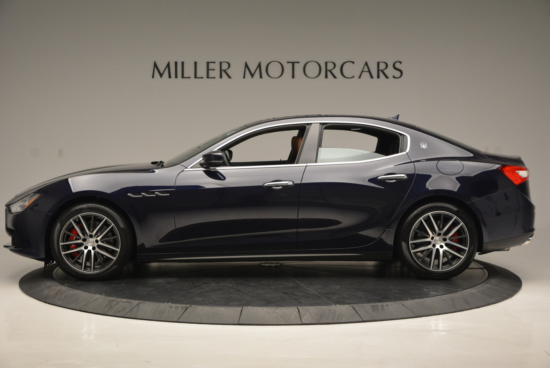 Used 2017 Maserati Ghibli S Q4 - EX Loaner For Sale In Greenwich, CT 567_p3