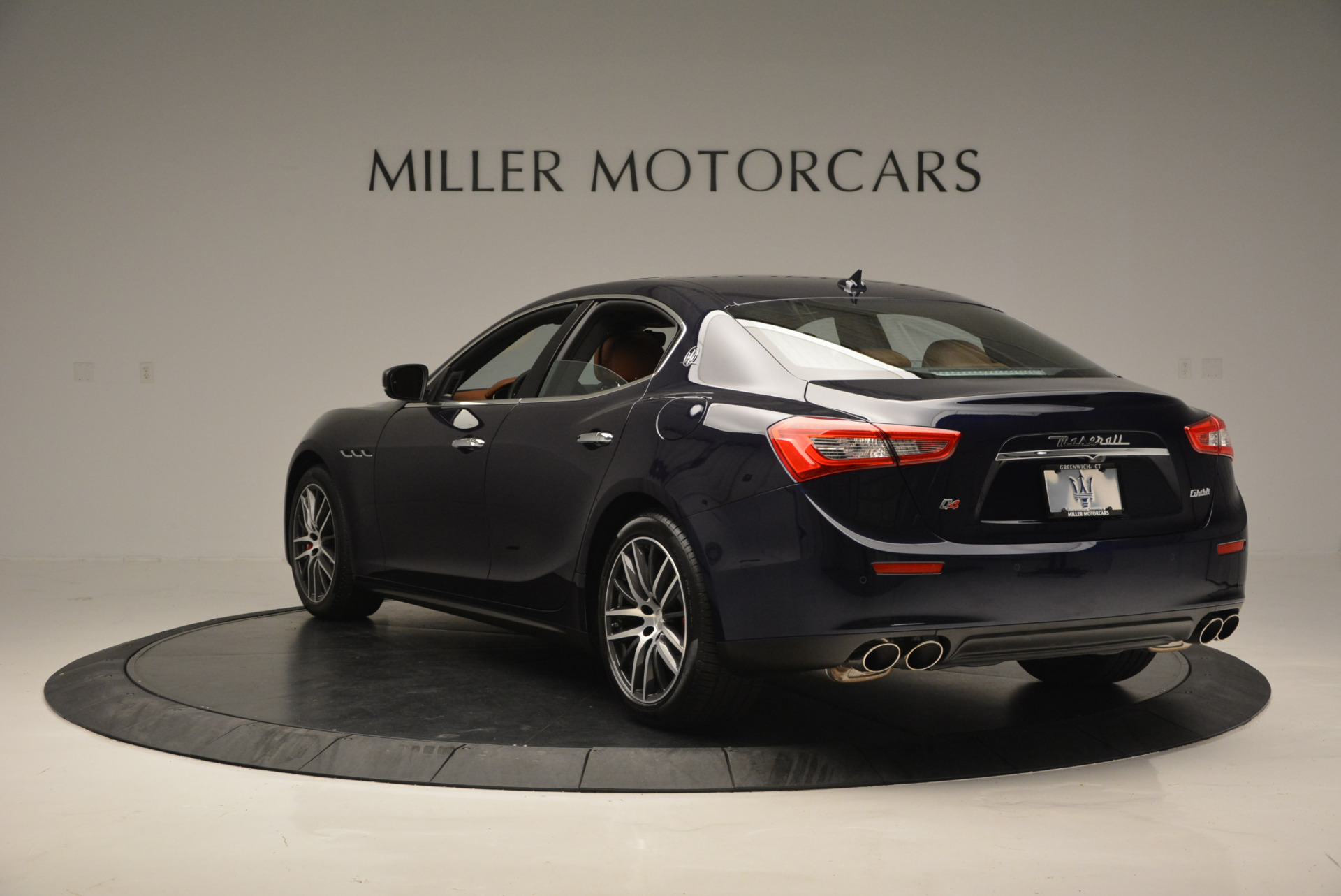 Used 2017 Maserati Ghibli S Q4 - EX Loaner For Sale In Greenwich, CT 567_p5