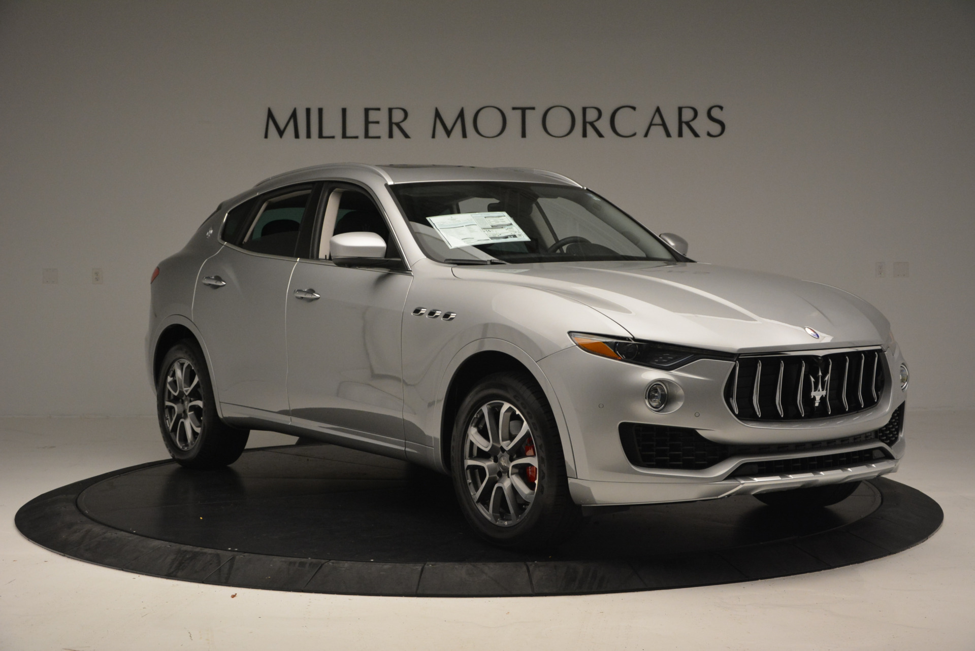New 2017 Maserati Levante 350hp For Sale In Greenwich, CT 584_p11