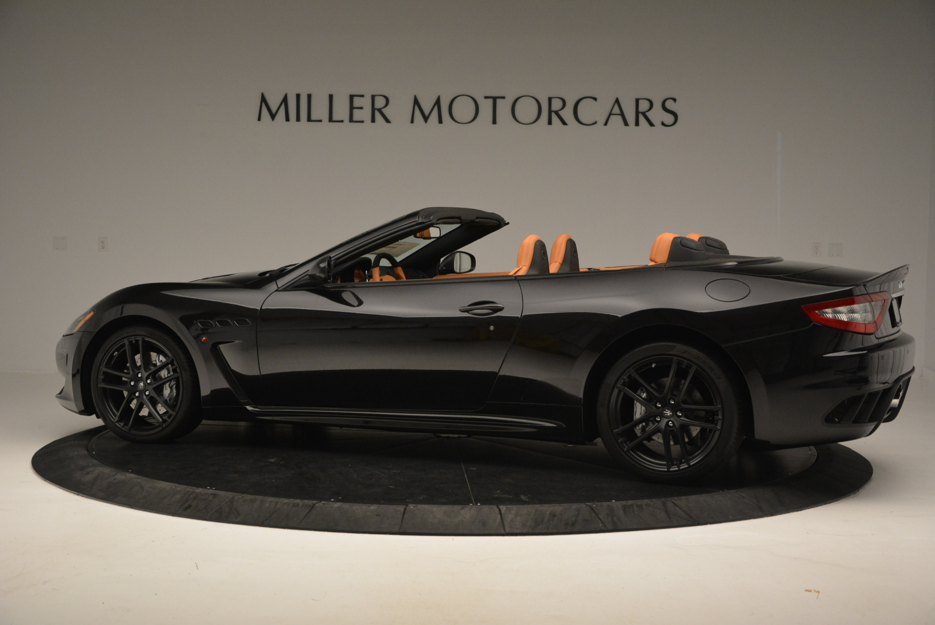 New 2017 Maserati GranTurismo MC CONVERTIBLE For Sale In Greenwich, CT 596_p4