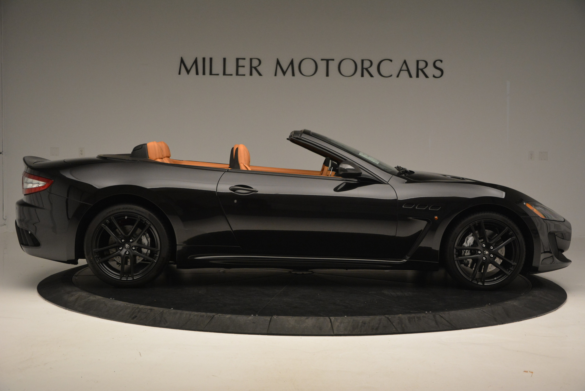 New 2017 Maserati GranTurismo MC CONVERTIBLE For Sale In Greenwich, CT 596_p9