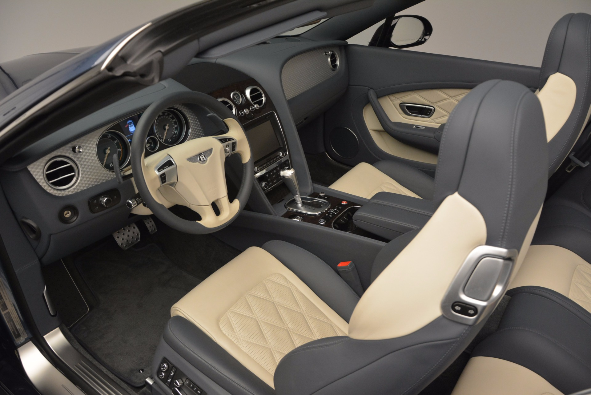 Used 2014 Bentley Continental GT V8 S Convertible  For Sale In Greenwich, CT 600_p28
