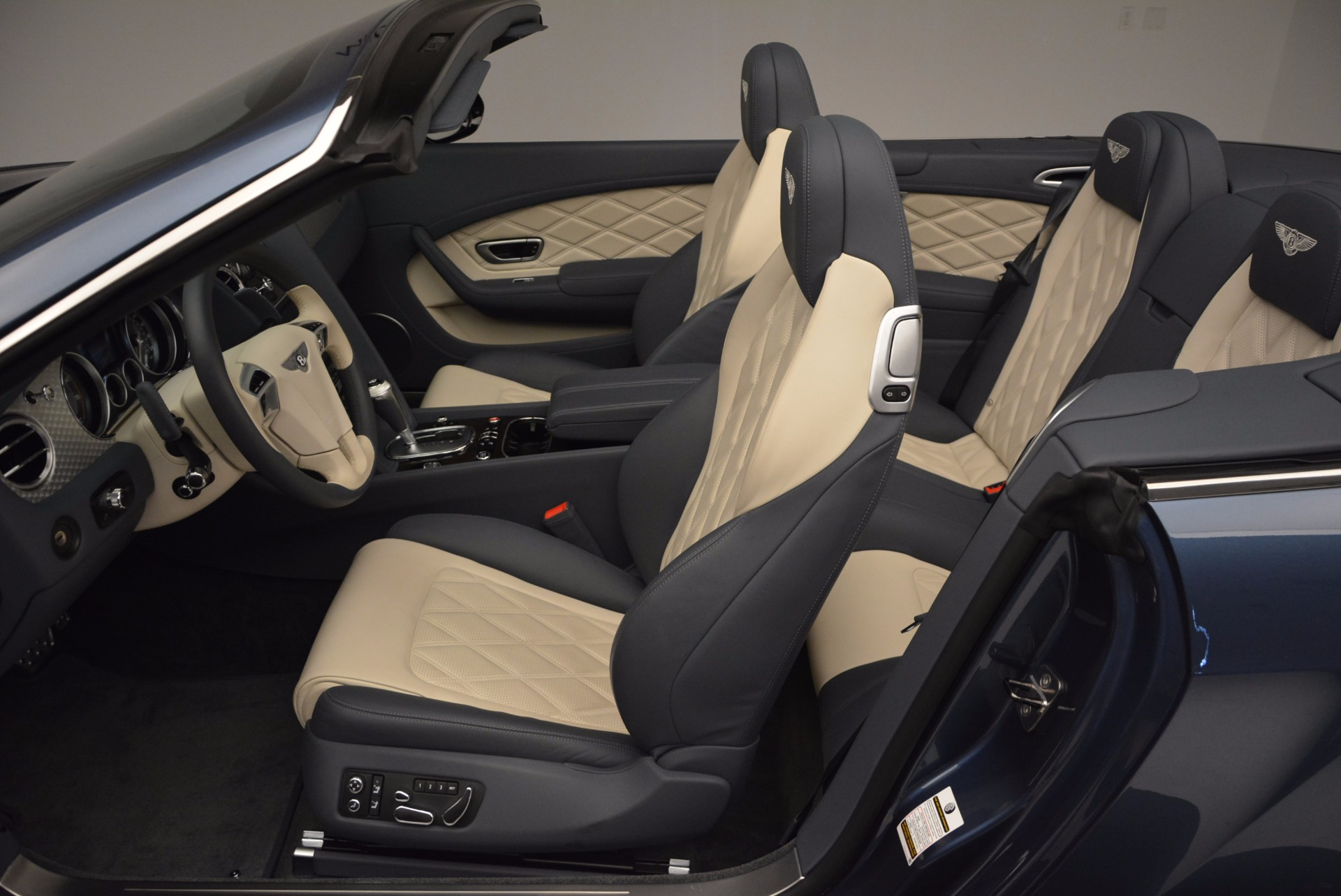 Used 2014 Bentley Continental GT V8 S Convertible  For Sale In Greenwich, CT 600_p29