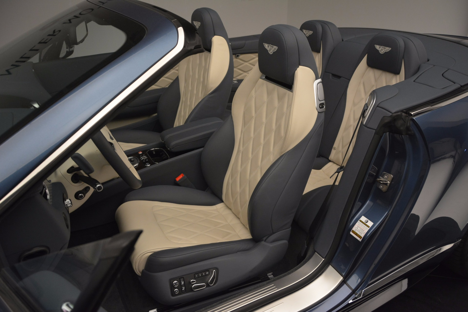 Used 2014 Bentley Continental GT V8 S Convertible  For Sale In Greenwich, CT 600_p30
