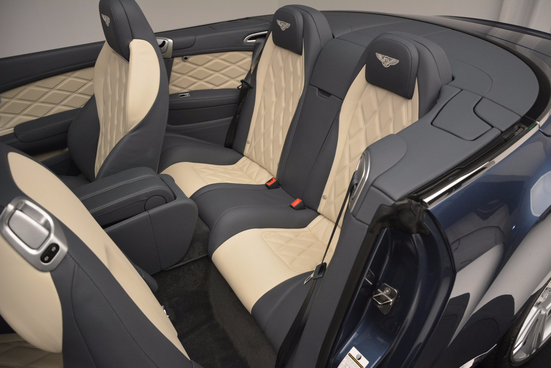 Used 2014 Bentley Continental GT V8 S Convertible  For Sale In Greenwich, CT 600_p32