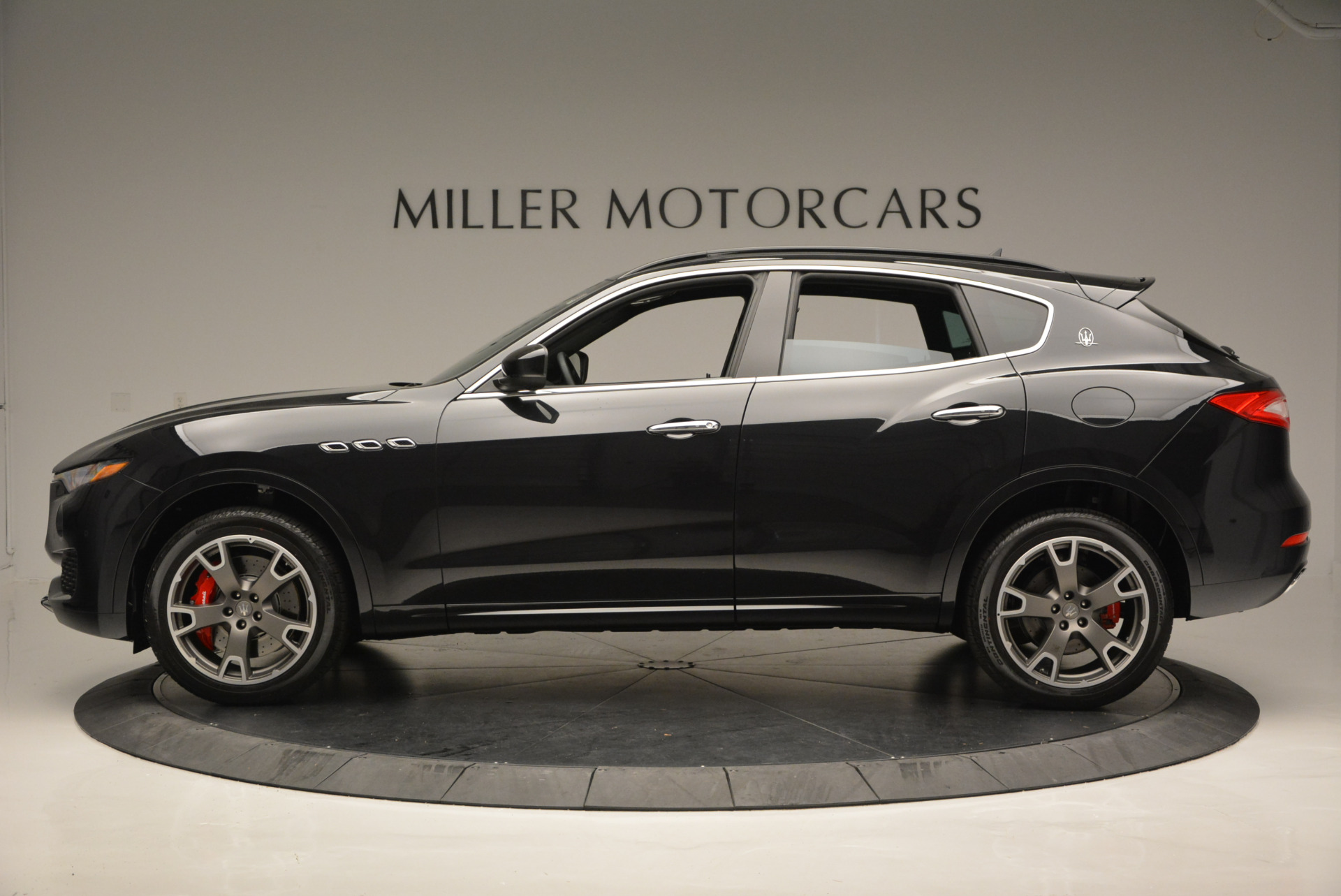 New 2017 Maserati Levante  For Sale In Greenwich, CT 609_p3