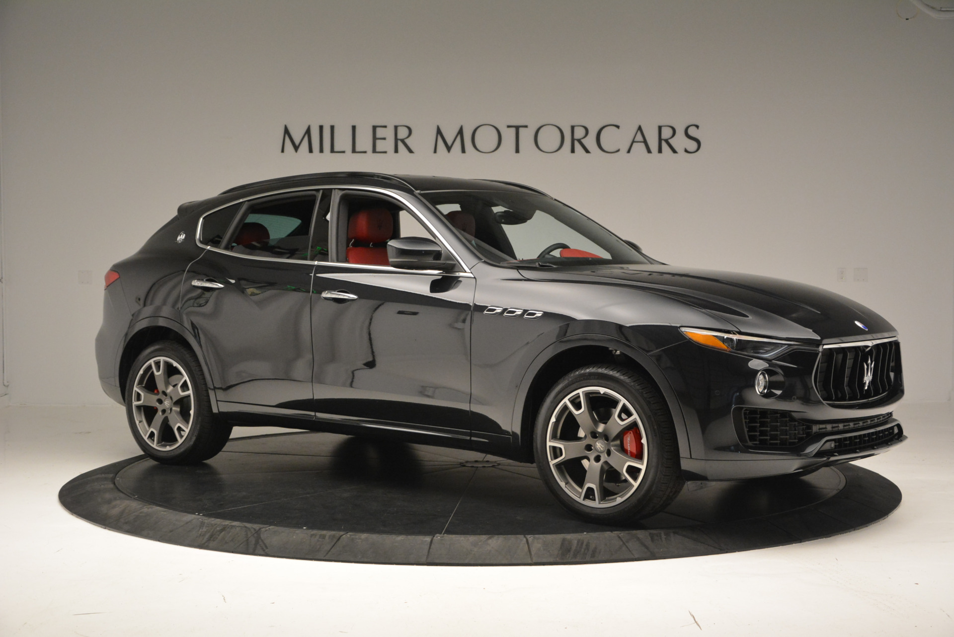 New 2017 Maserati Levante  For Sale In Greenwich, CT 613_p10