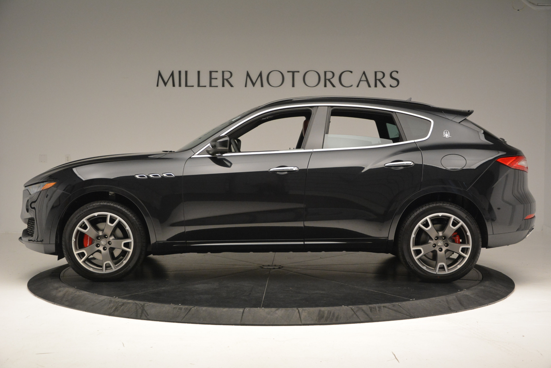 New 2017 Maserati Levante  For Sale In Greenwich, CT 613_p3