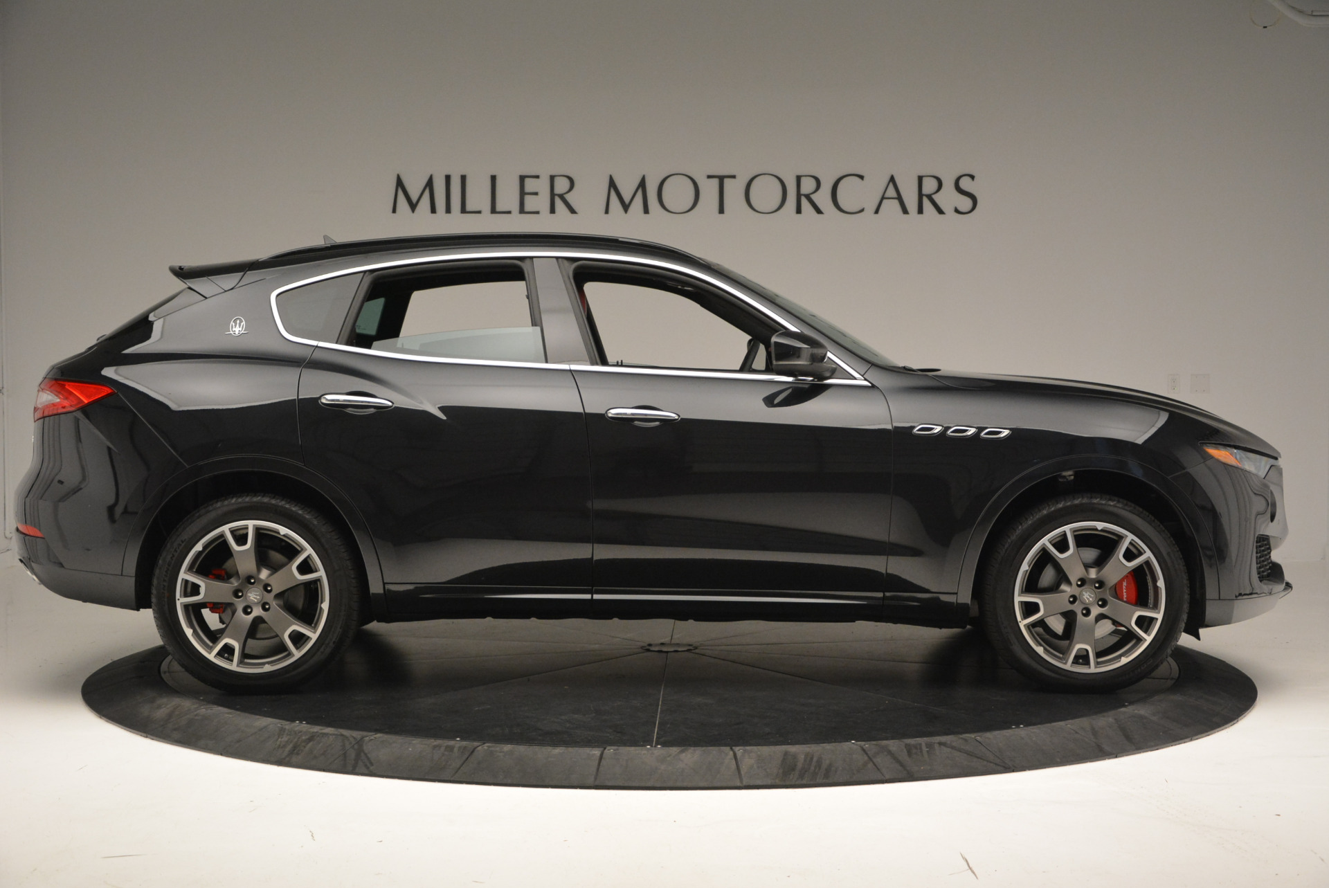 New 2017 Maserati Levante  For Sale In Greenwich, CT 613_p9